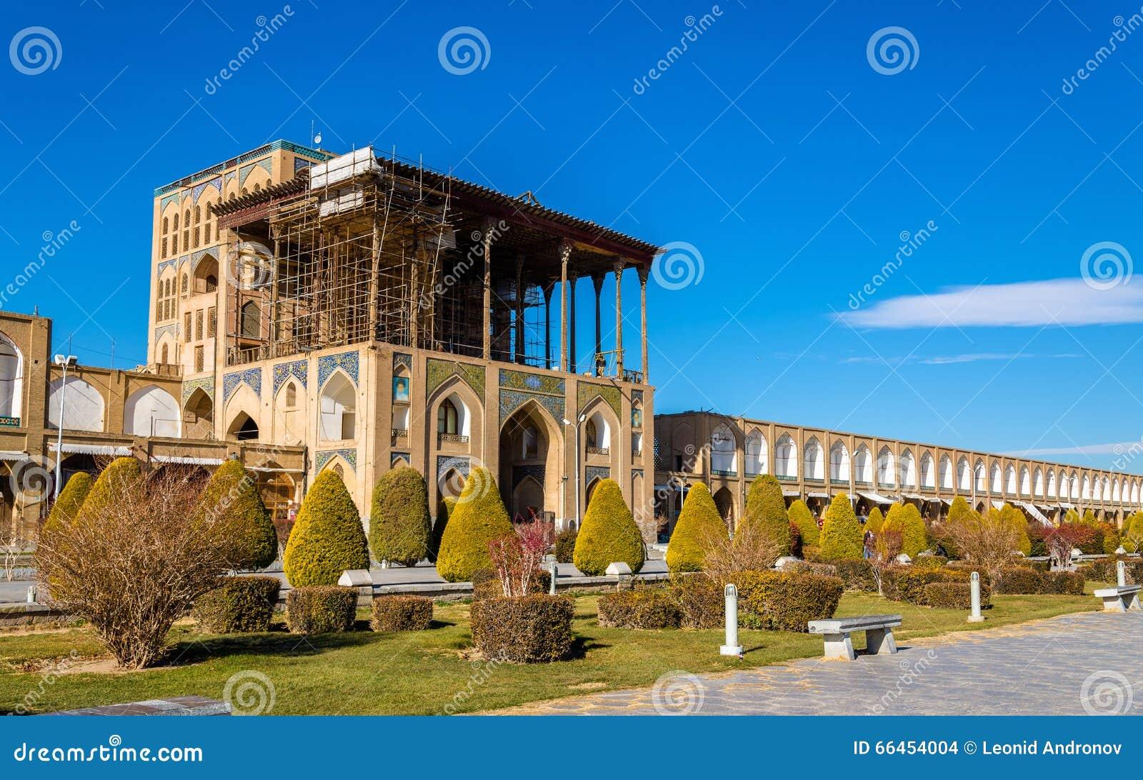 Παλάτι του Ali Qapu στο τετράγωνο naqsh-ε Jahan στο Ισφαχάν