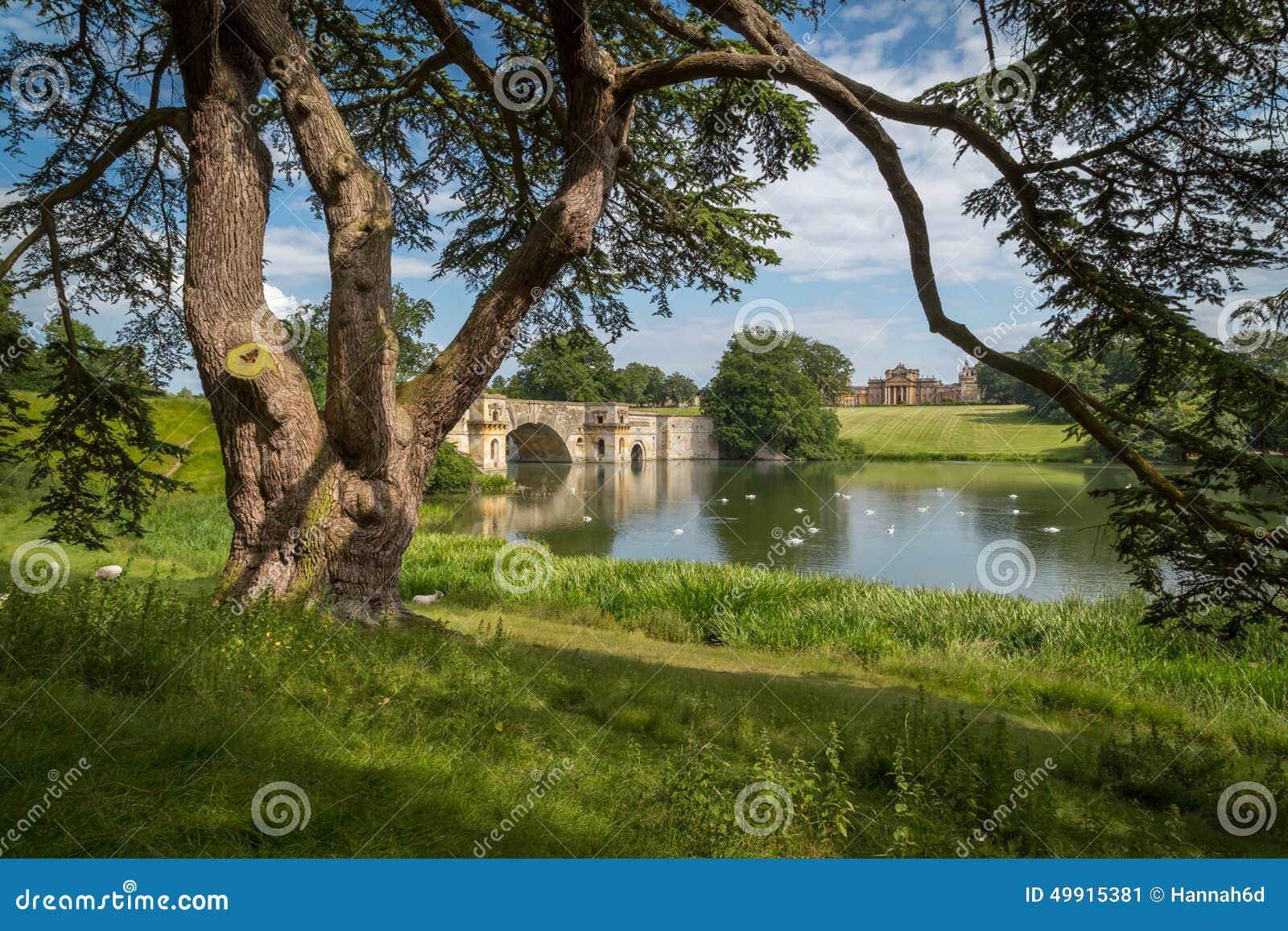 Παλάτι Blenheim & η μεγάλη γέφυρα