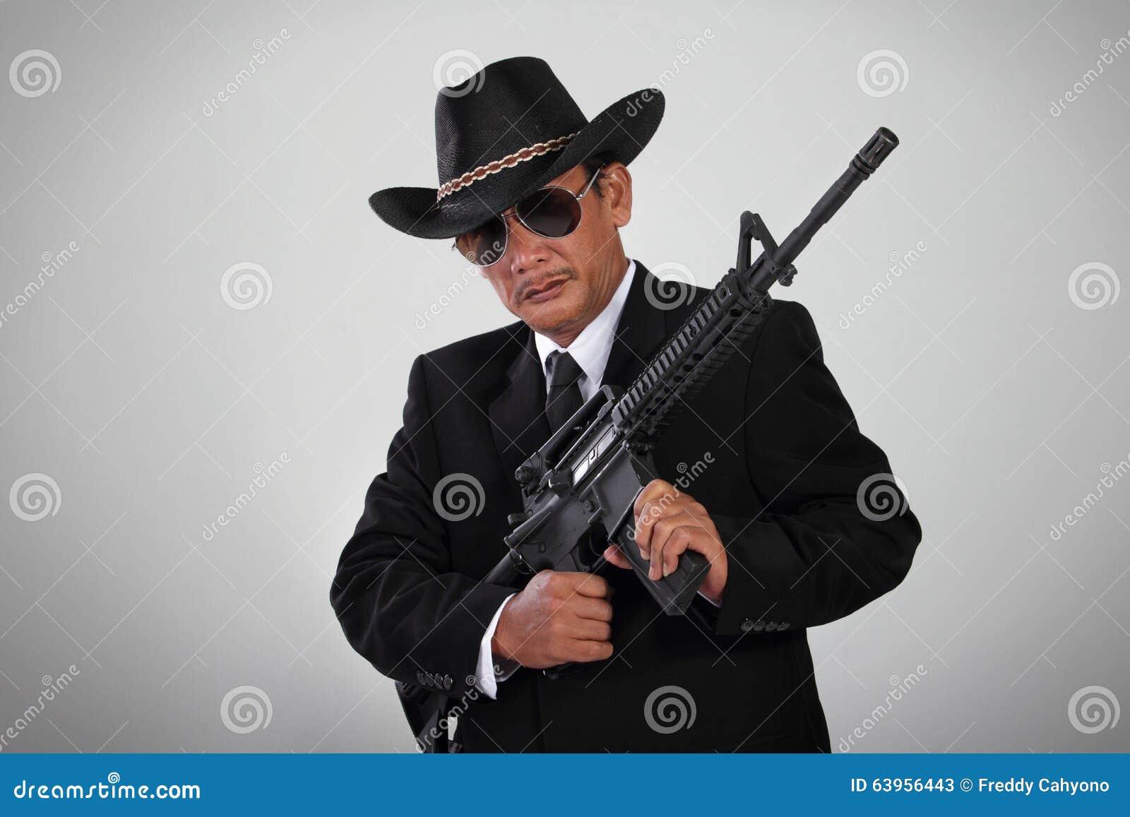 Παλαιά μαφία και το όπλο επιθέσεών του