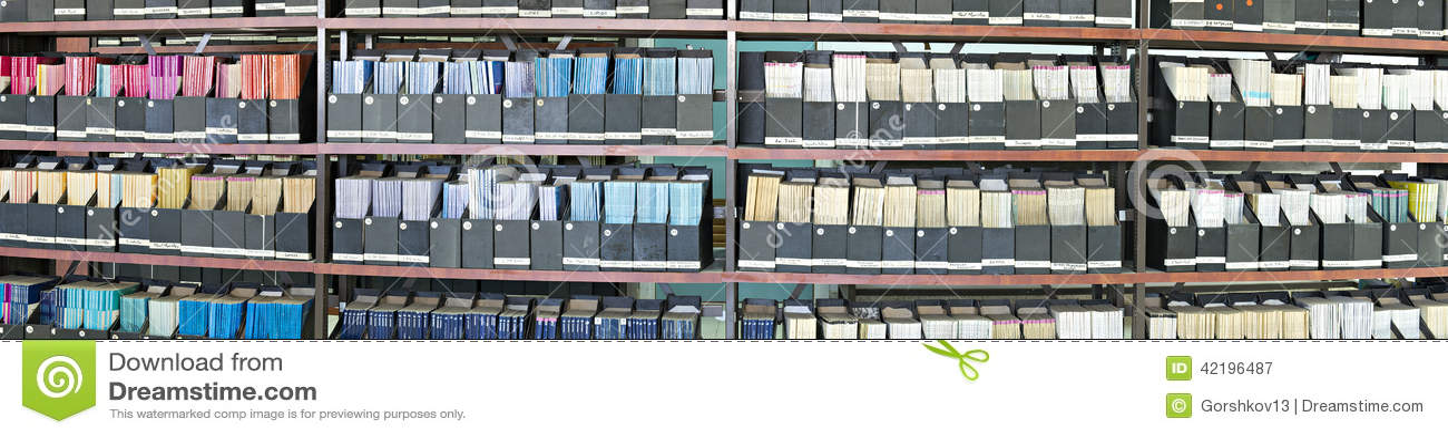 Παλαιά περιοδικά σε μια βιβλιοθήκη