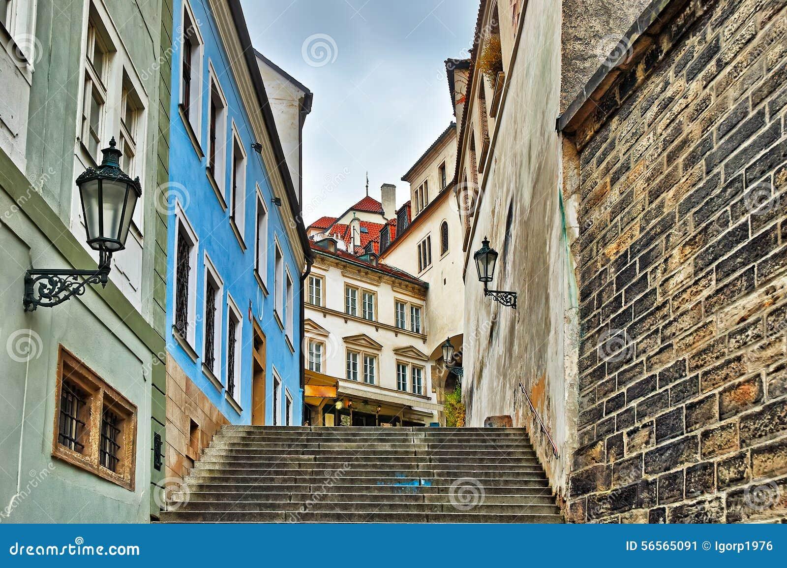 Download Παλαιά πόλης οδός στην Πράγα Στοκ Εικόνα - εικόνα από τσεχικά, πέτρα: 56565091