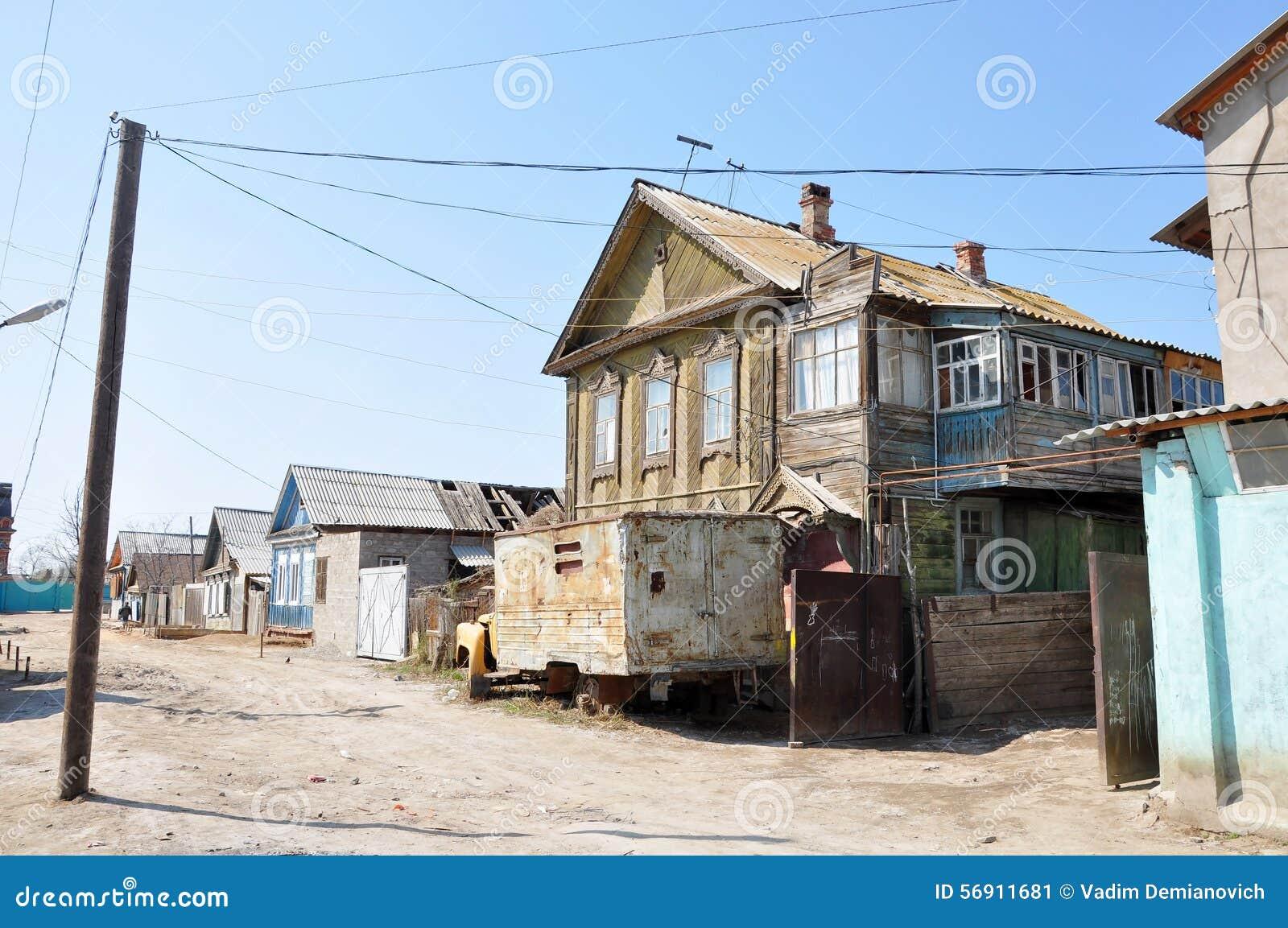 παλαιός ξύλινος σπιτιών