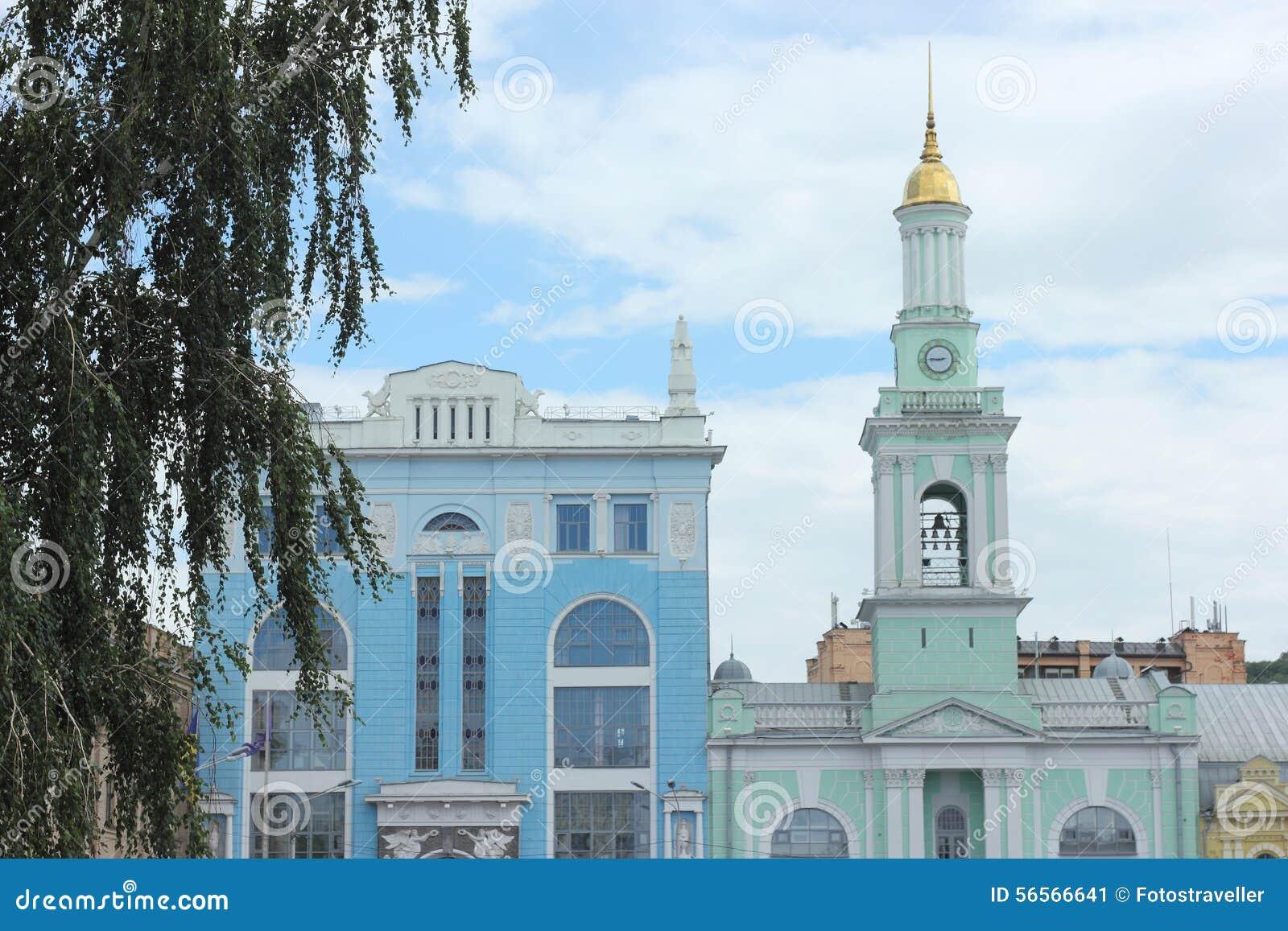 Download Παλαιός πύργος εκκλησιών και κουδουνιών Στοκ Εικόνα - εικόνα από κίεβο, αρχιτεκτονικής: 56566641