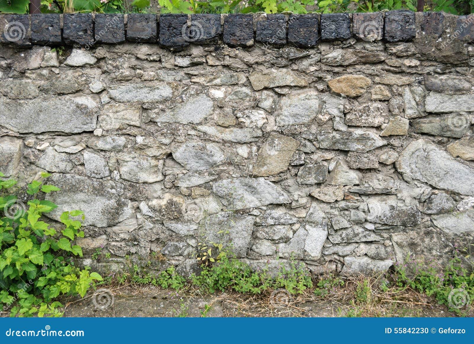 Παλαιός φράκτης βράχου