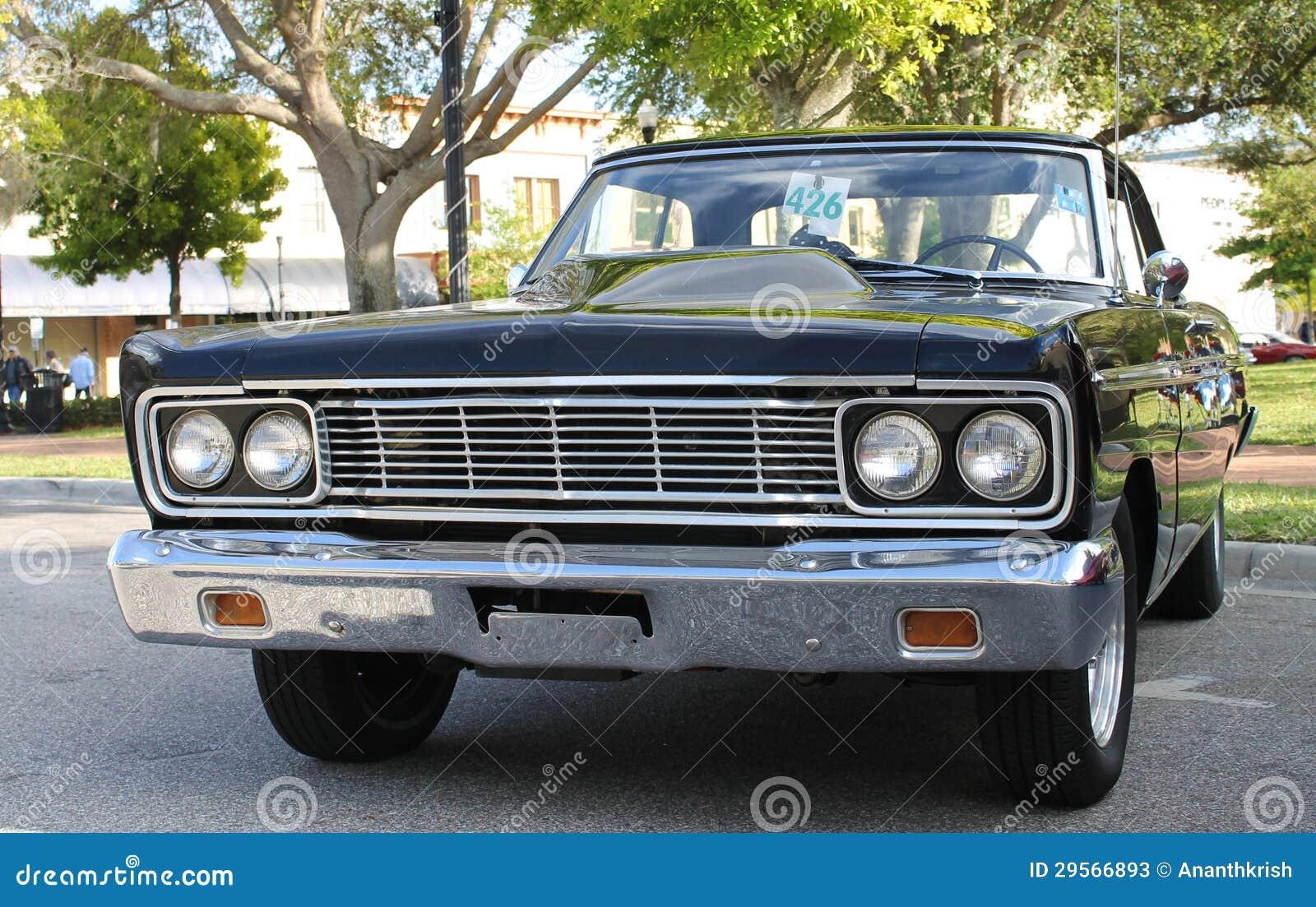 Παλαιό αυτοκίνητο της Ford Fairlane