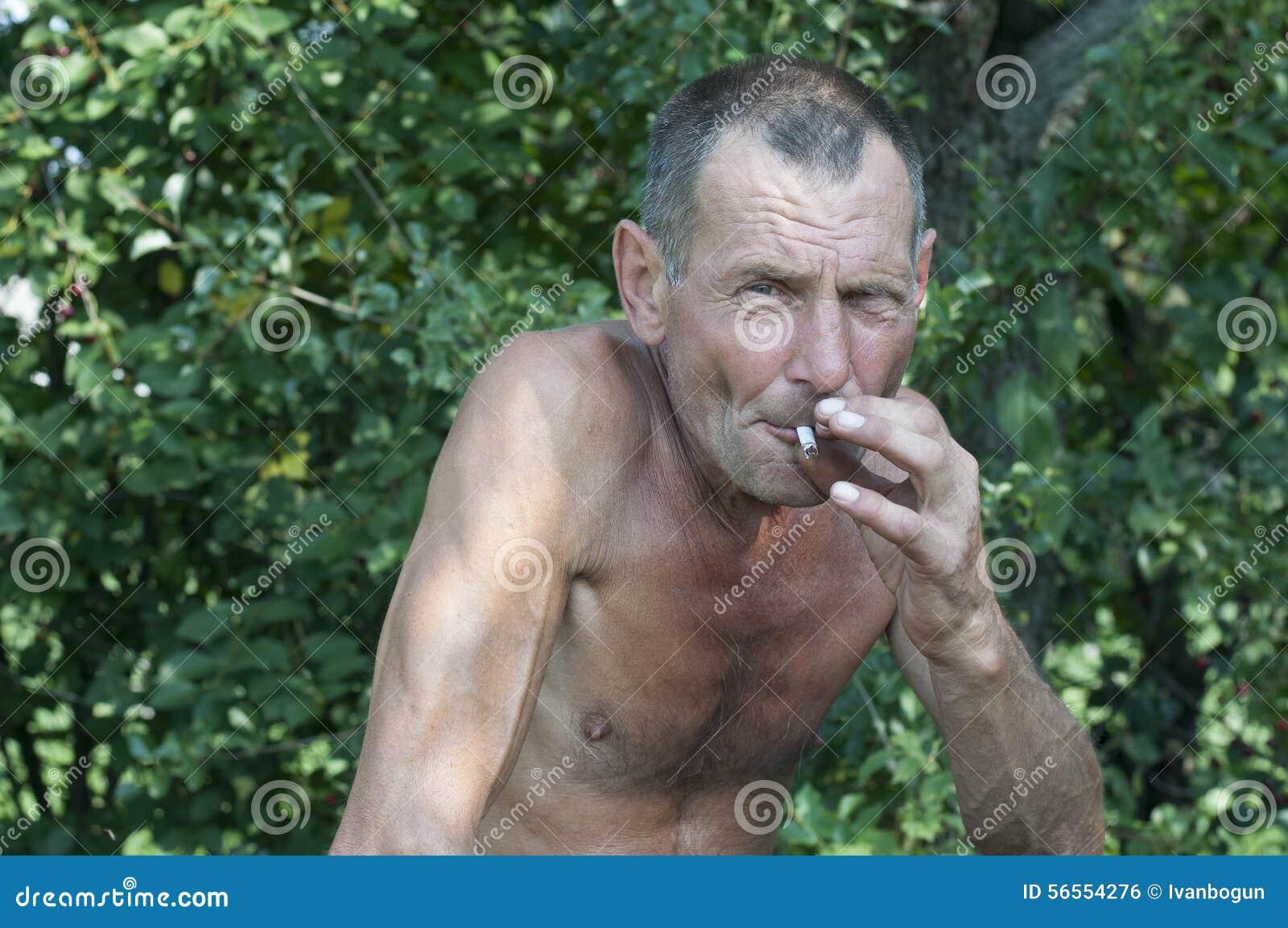 Download παλαιό κάπνισμα ατόμων στοκ εικόνες. εικόνα από ιατρική - 56554276