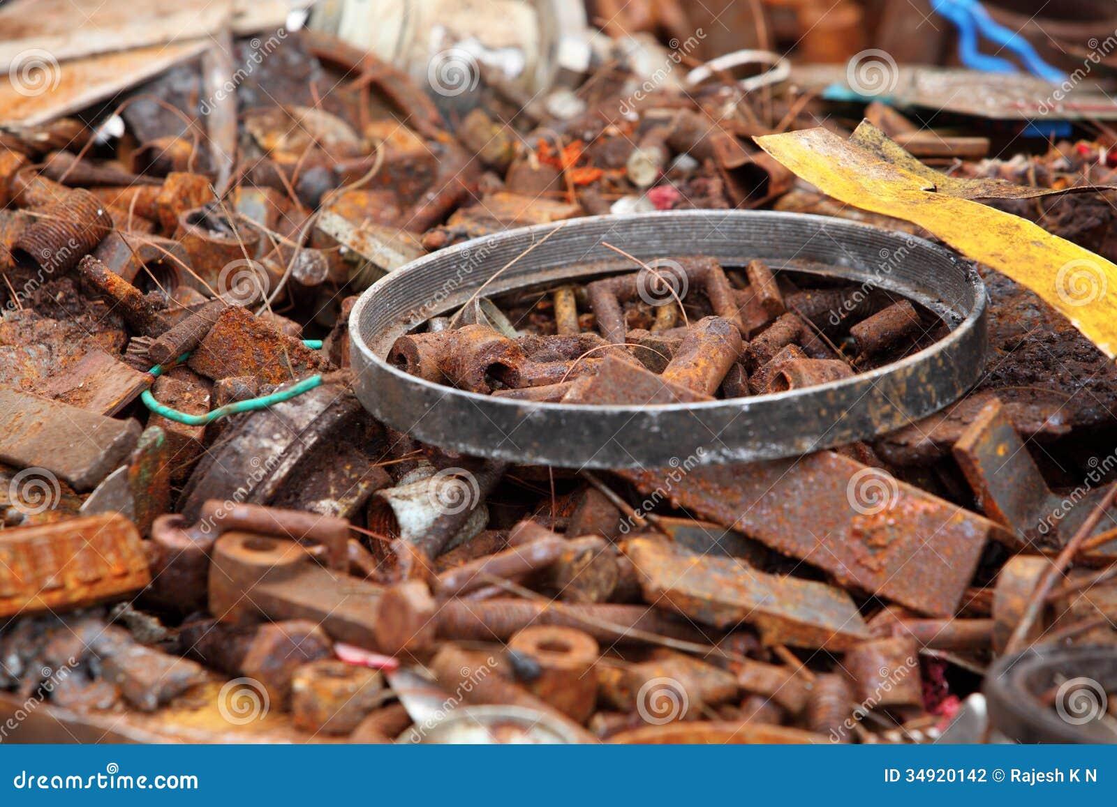 Παλιοσίδερο έτοιμο για την ανακύκλωση