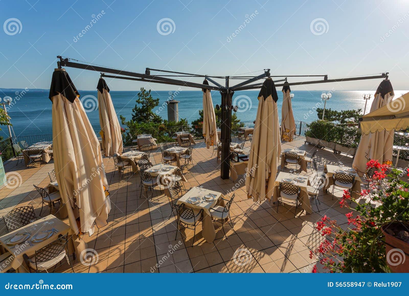 Download Πεζούλι στην παραλία στοκ εικόνα. εικόνα από όψη, αρχιτεκτονικής - 56558947