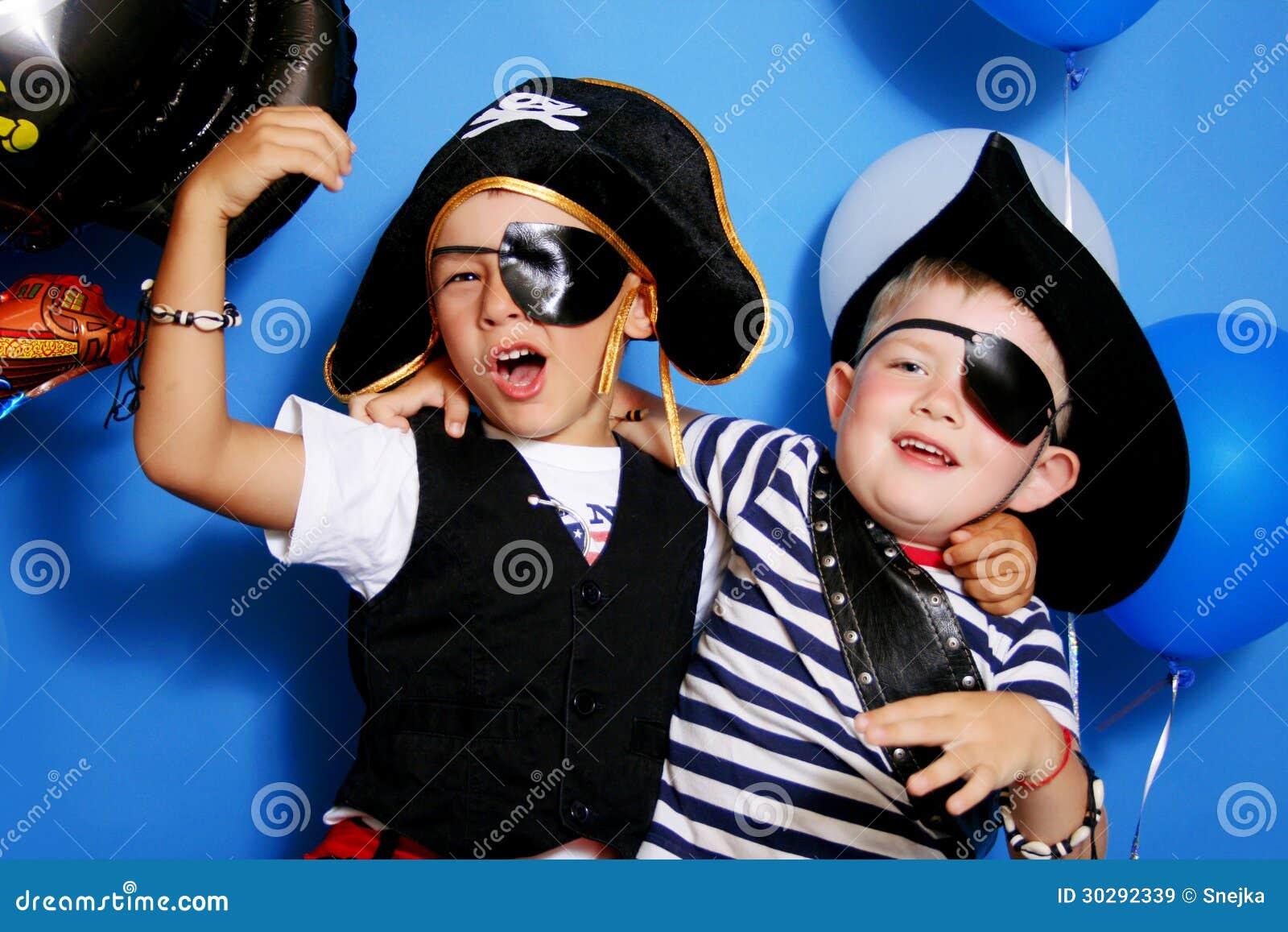 Πειρατής δύο