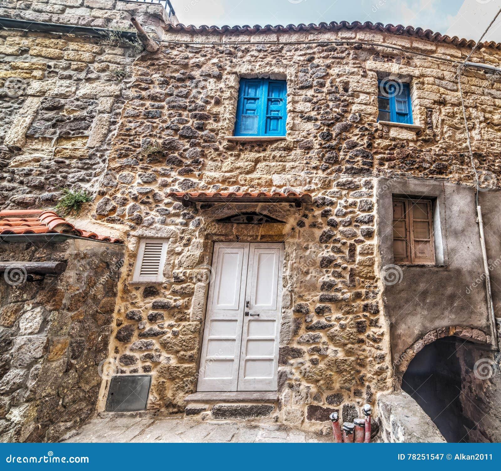 Περίεργη πρόσοψη στην παλαιά πόλη Castelsardo
