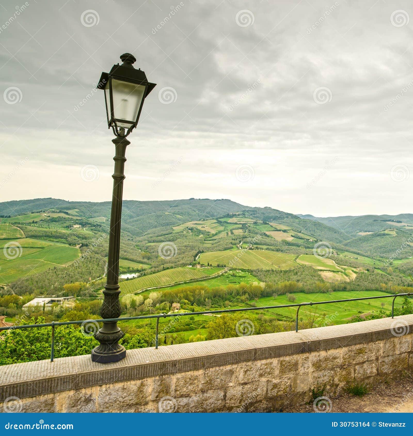 Περιοχή Chianti, λαμπτήρας και αγροτικό τοπίο. Radda, Τοσκάνη, Ιταλία