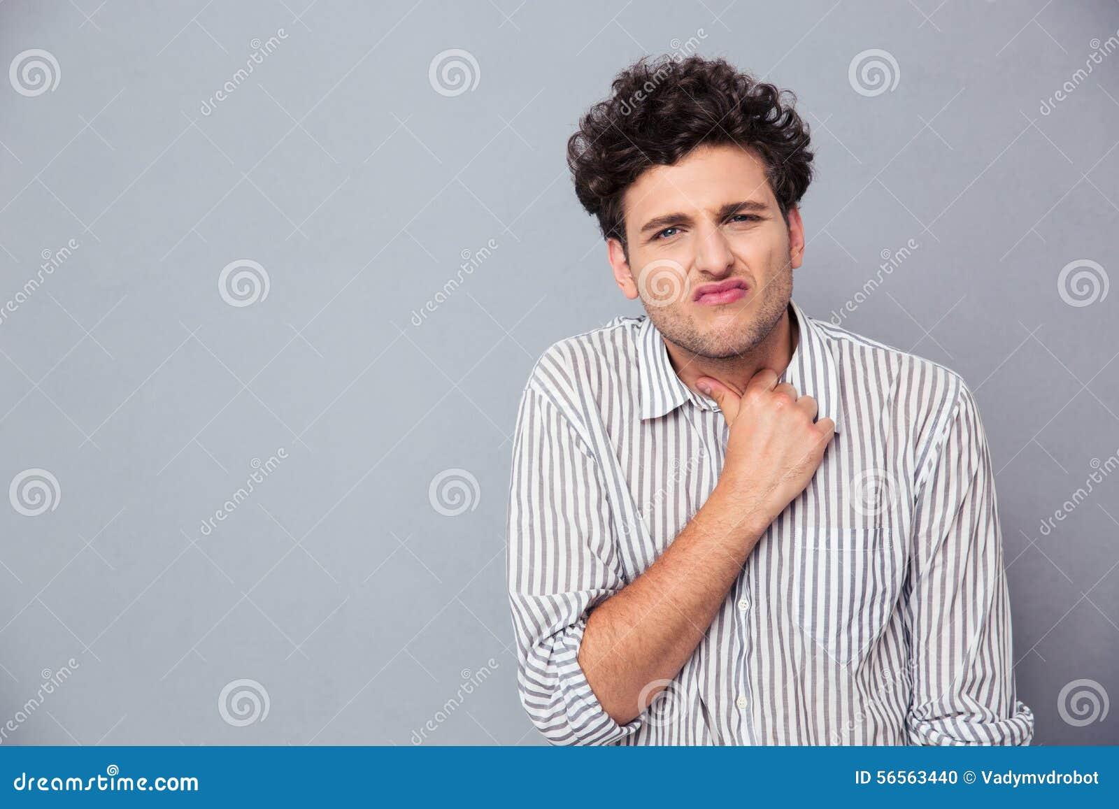 Download Περιστασιακό άτομο που έχει τον πόνο λαιμών Στοκ Εικόνες - εικόνα από όμορφος, κεφάλι: 56563440