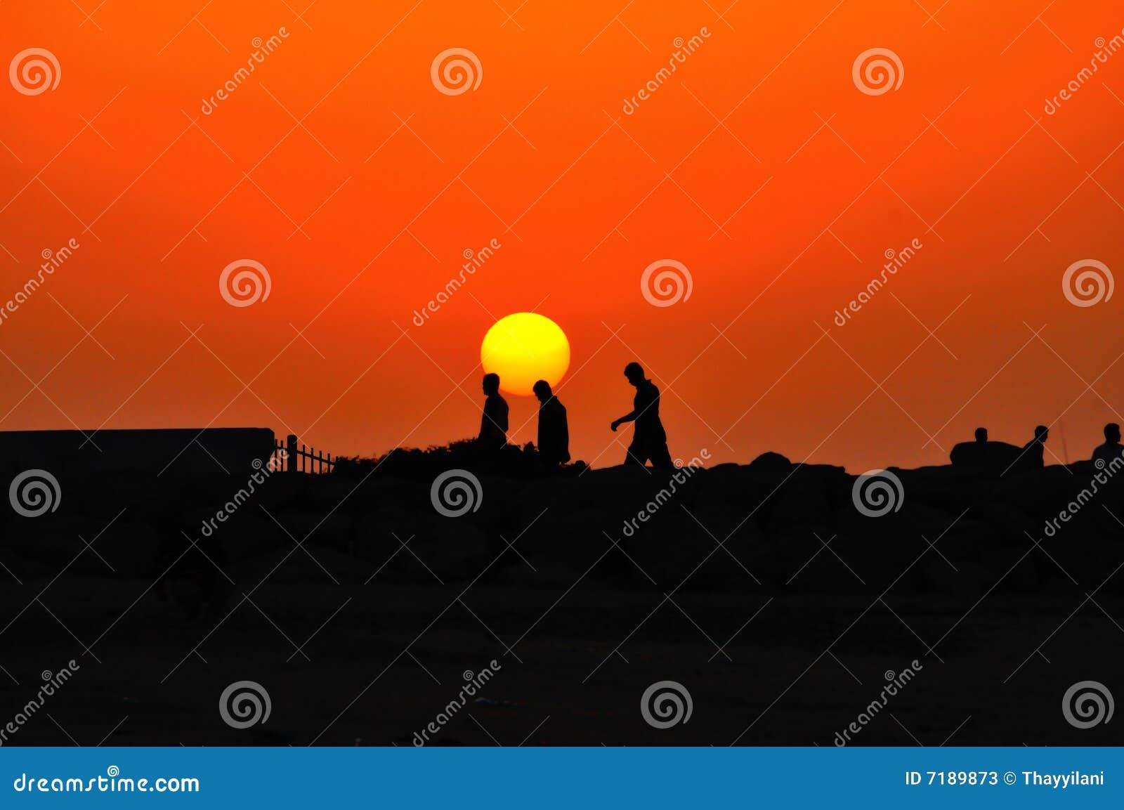 περπάτημα ηλιοβασιλέματ&omicr
