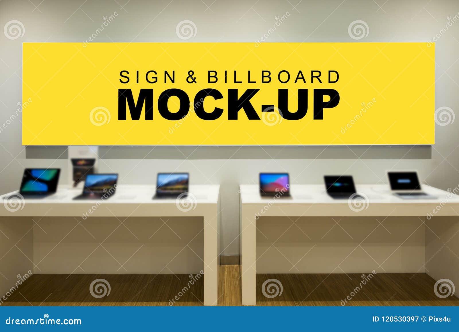 Πλαστή επάνω μεγάλη κενή κίτρινη οθόνη για τη διαφήμιση στο μετρητή