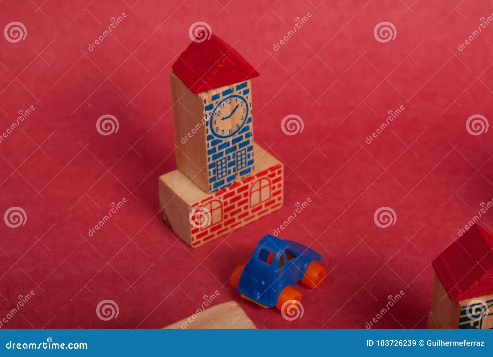 Πλαστικό και ξύλινο παιχνίδι αυτοκινήτων παιχνιδιών