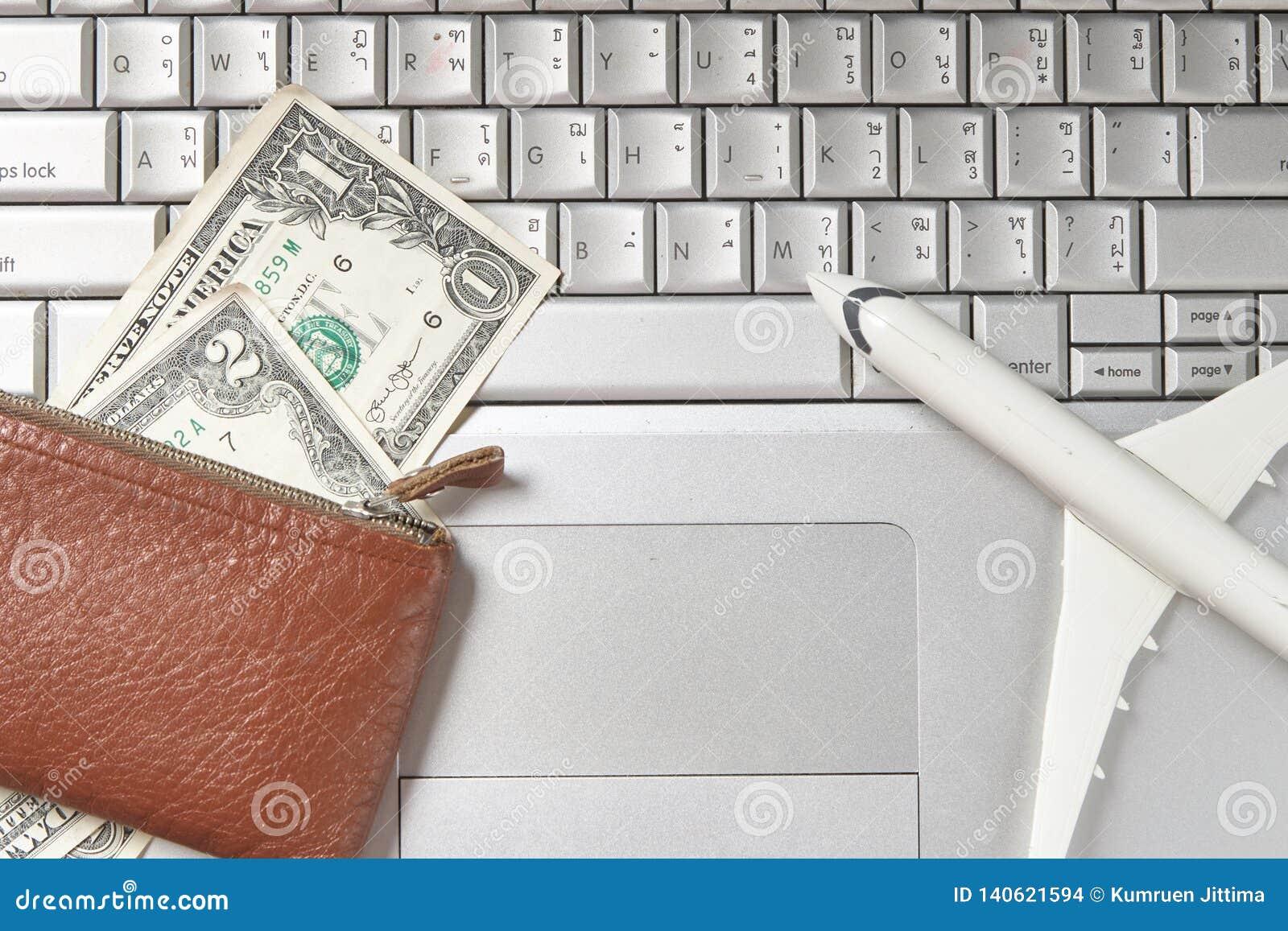 πληκτρολόγιο υπολογιστών λογαριασμών χρημάτων τσαντών