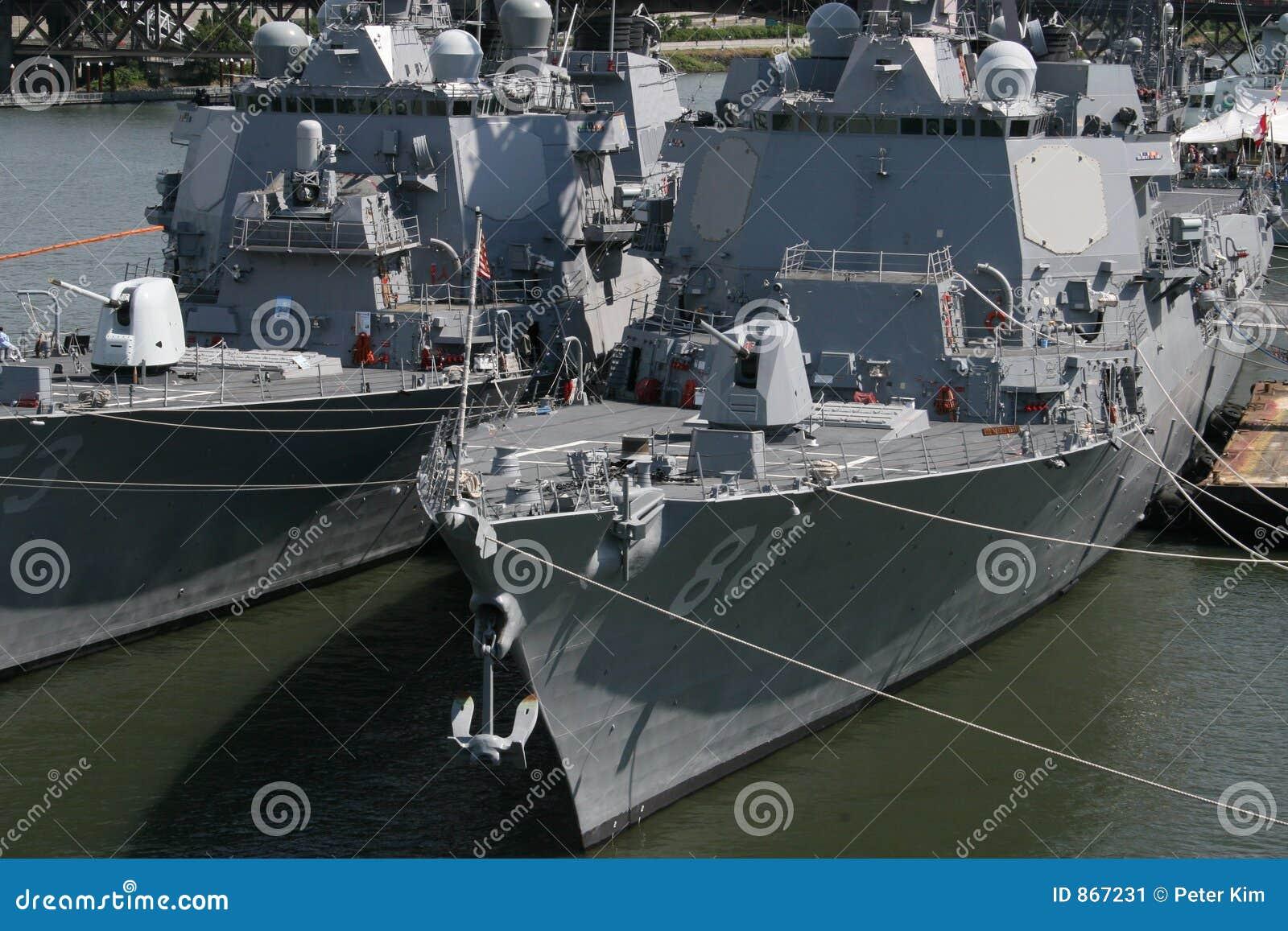 πολεμικά πλοία