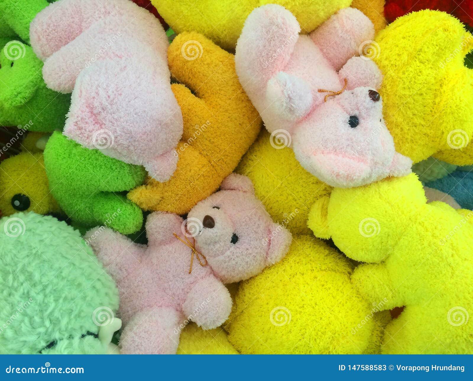 Πολλά χρώματα των teddy αρκούδων συνολικά