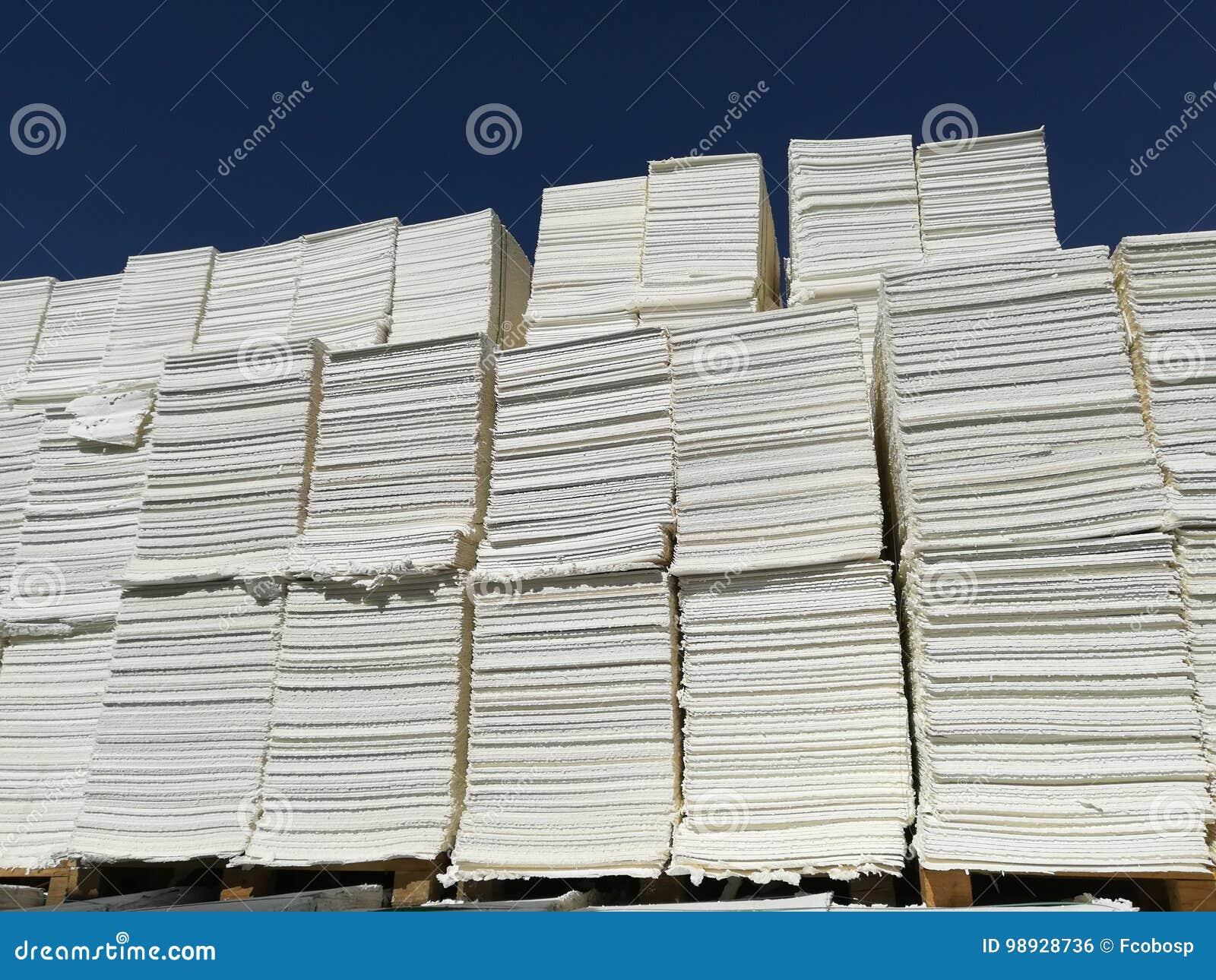Πολτός χαρτιού για τη βιομηχανία χαρτιού, ακατέργαστο χαρτί