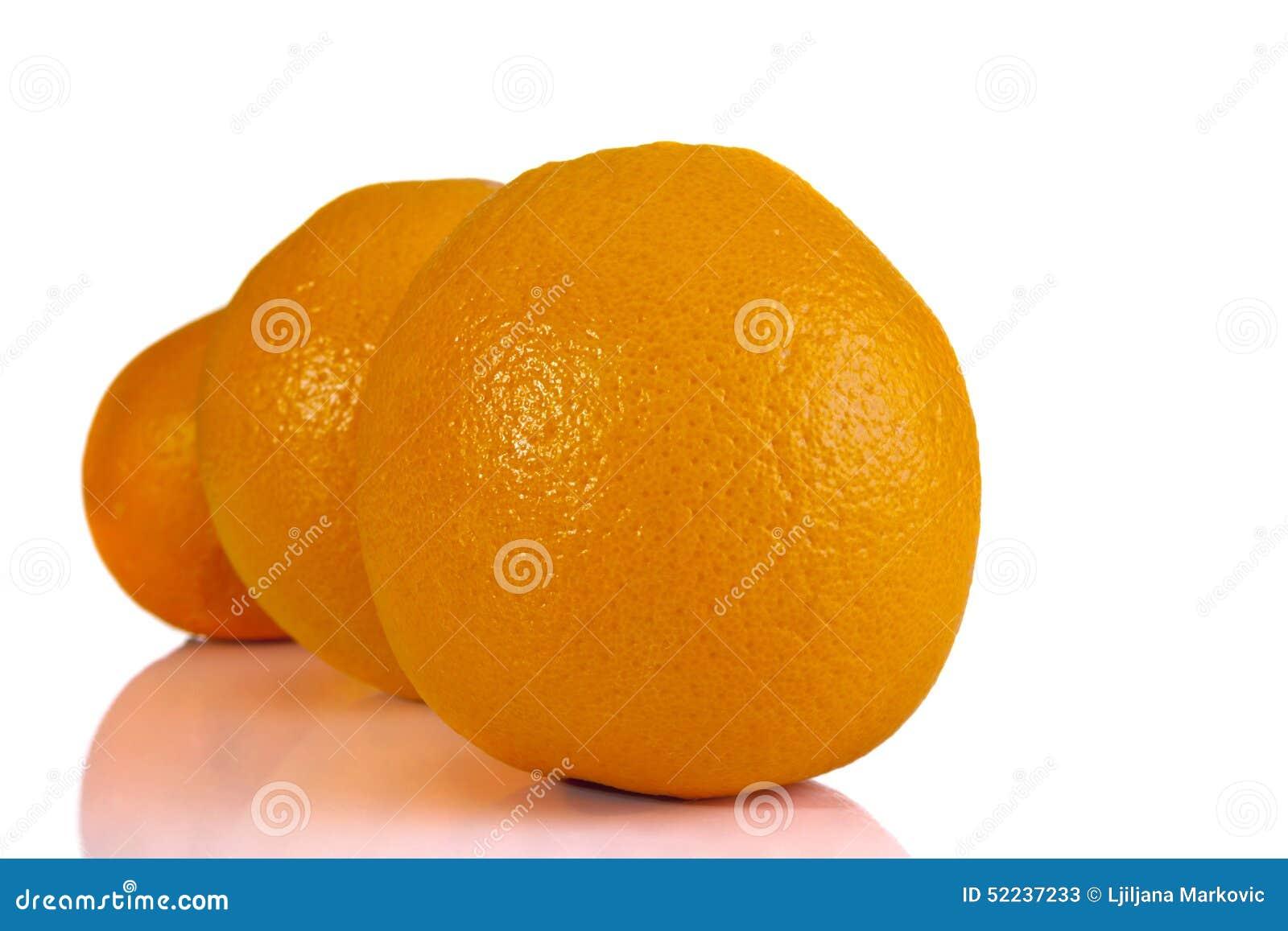 Πορτοκάλια που παρατάσσονται