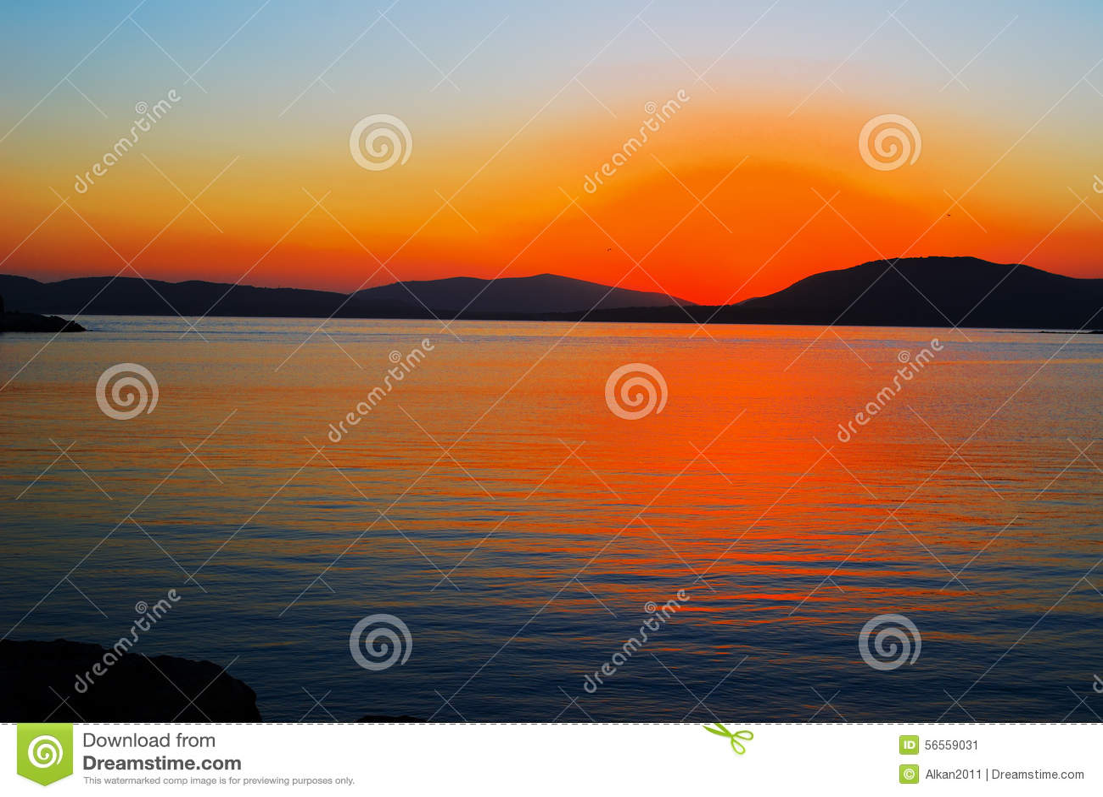 Download Πορτοκαλί ηλιοβασίλεμα σε Alghero μια σαφή ημέρα, Στοκ Εικόνα - εικόνα από dusk, μεσογειακός: 56559031