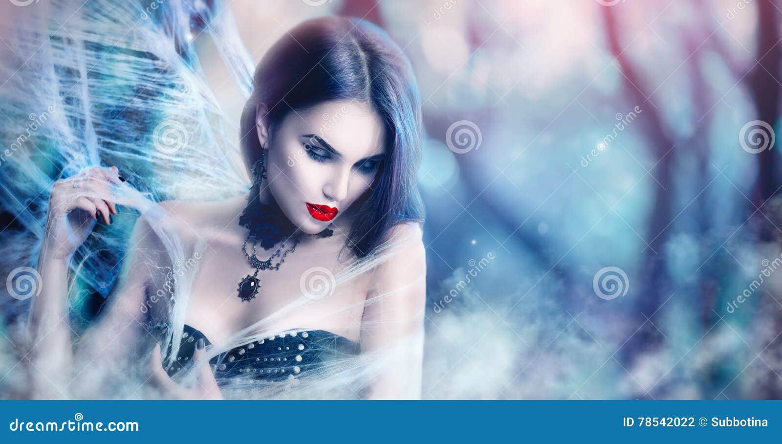 Πορτρέτο γυναικών αποκριών φαντασίας Προκλητική τοποθέτηση βαμπίρ ομορφιάς