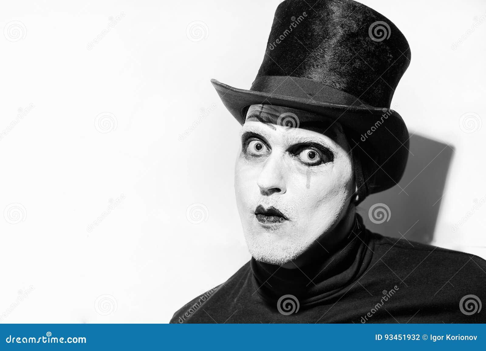 Πορτρέτο ενός τρομακτικού υ mime