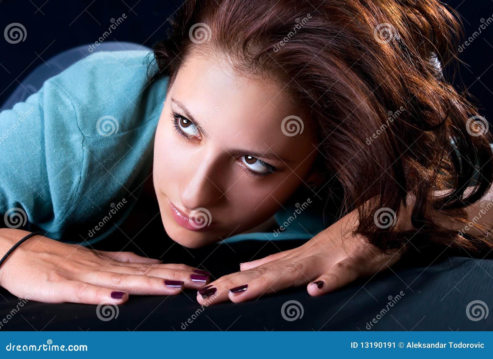 Πορτρέτο μιας αρκετά νέας γυναίκας