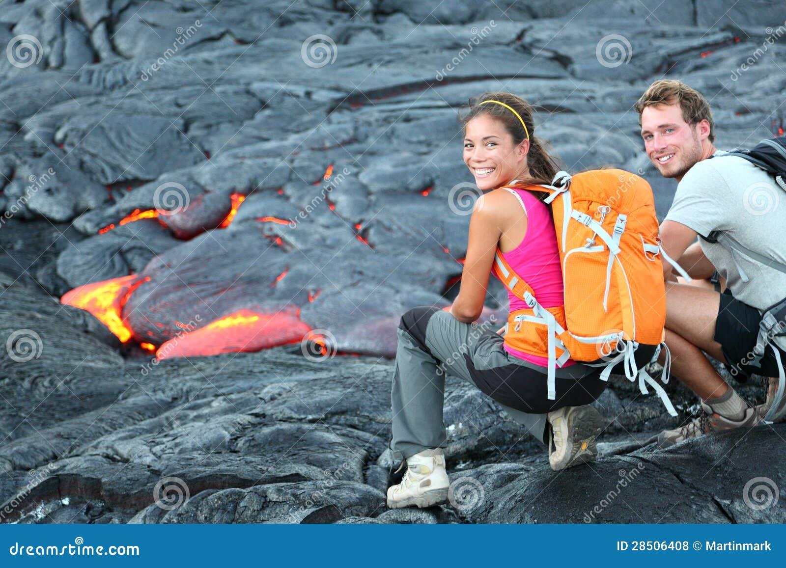 Πορτρέτο πεζοπορίας τουριστών λάβας της Χαβάης