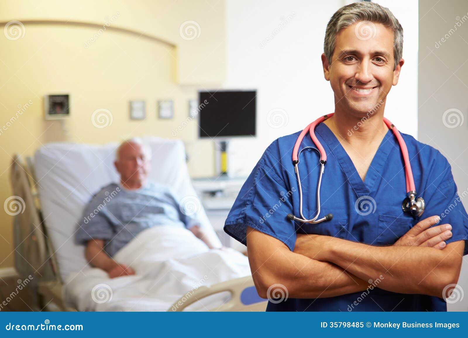 Πορτρέτο του αρσενικού γιατρού με τον ασθενή στο υπόβαθρο