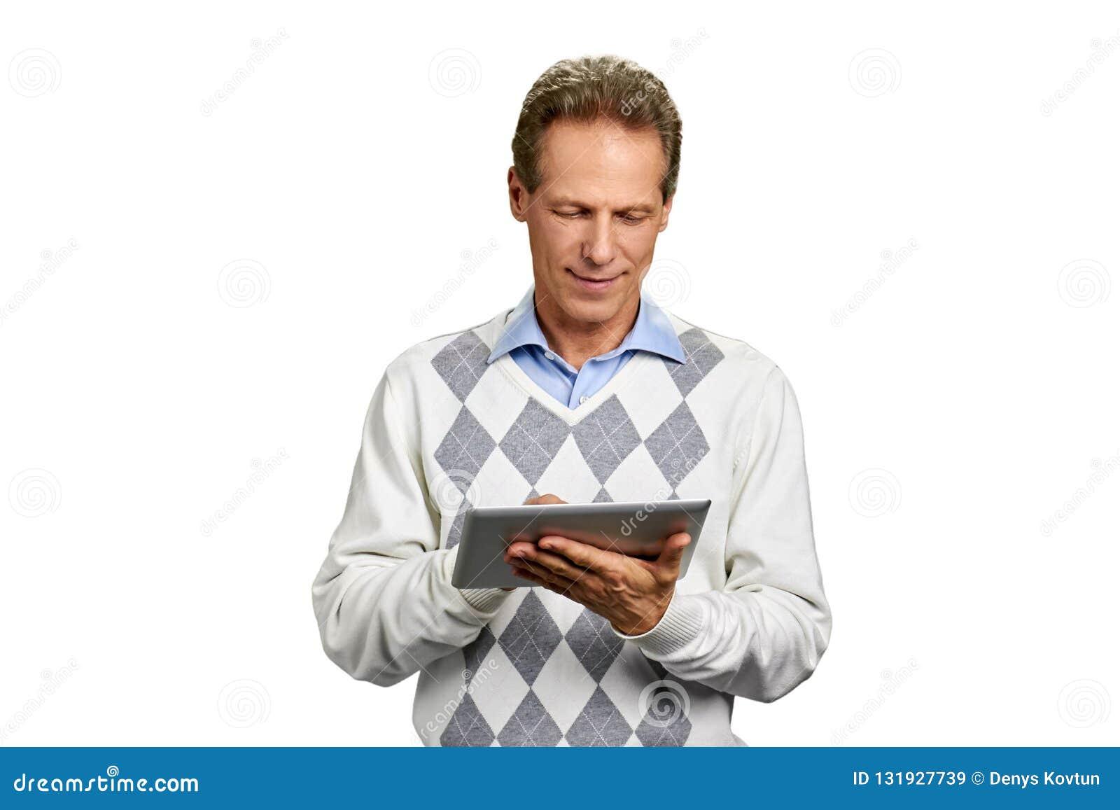 Πορτρέτο του ατόμου με την ψηφιακή ταμπλέτα