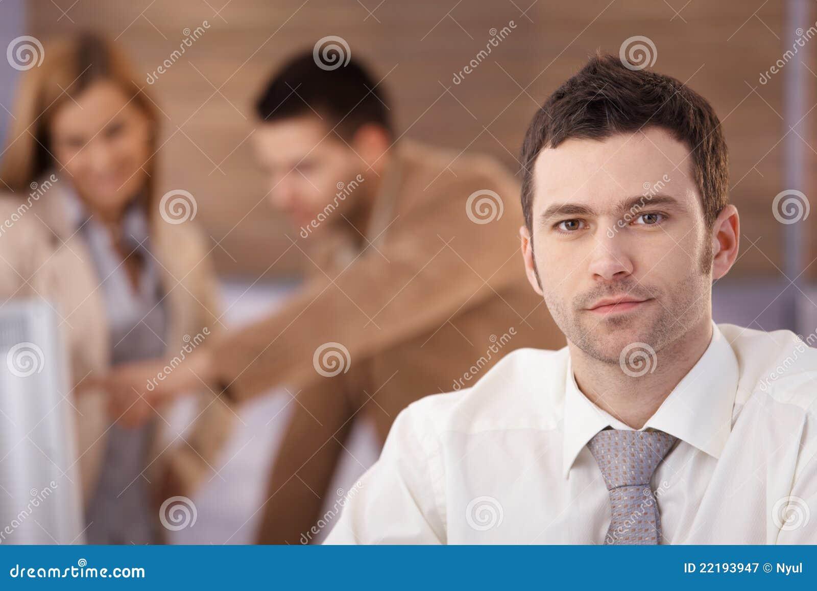 Πορτρέτο του βέβαιου επιχειρηματία
