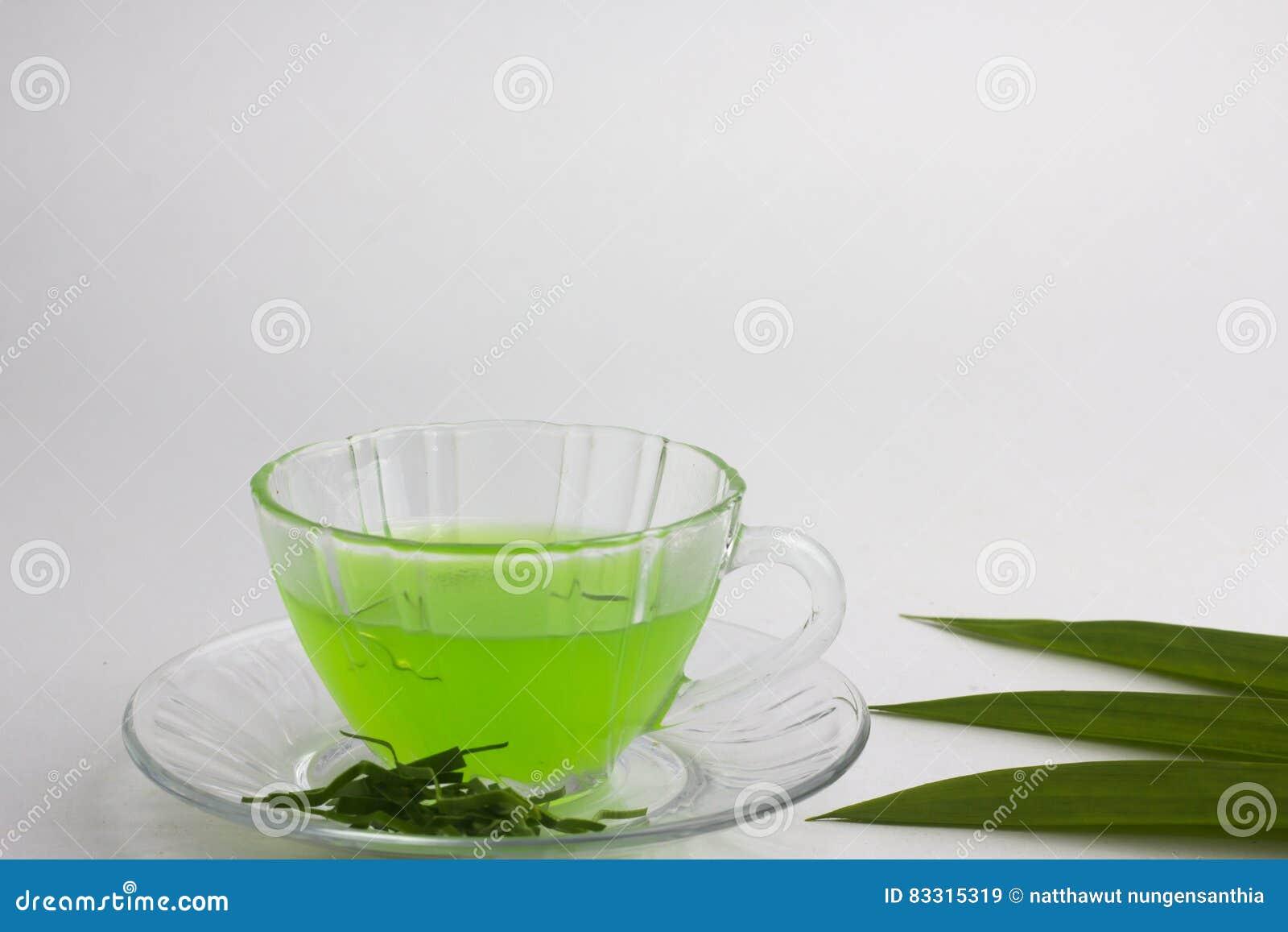 Ποτήρι του κρύου χυμού Pandan - υγιή τρόφιμα ενάντια στο ξύλο, με το τηγάνι