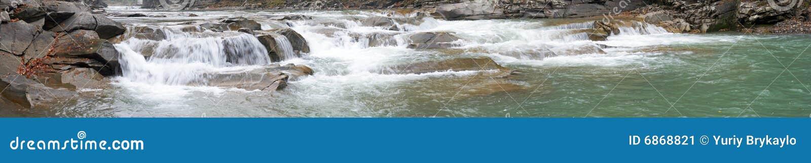 ποταμός βουνών
