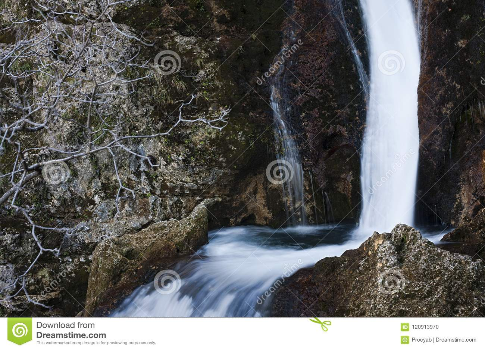 ποταμός μικρός