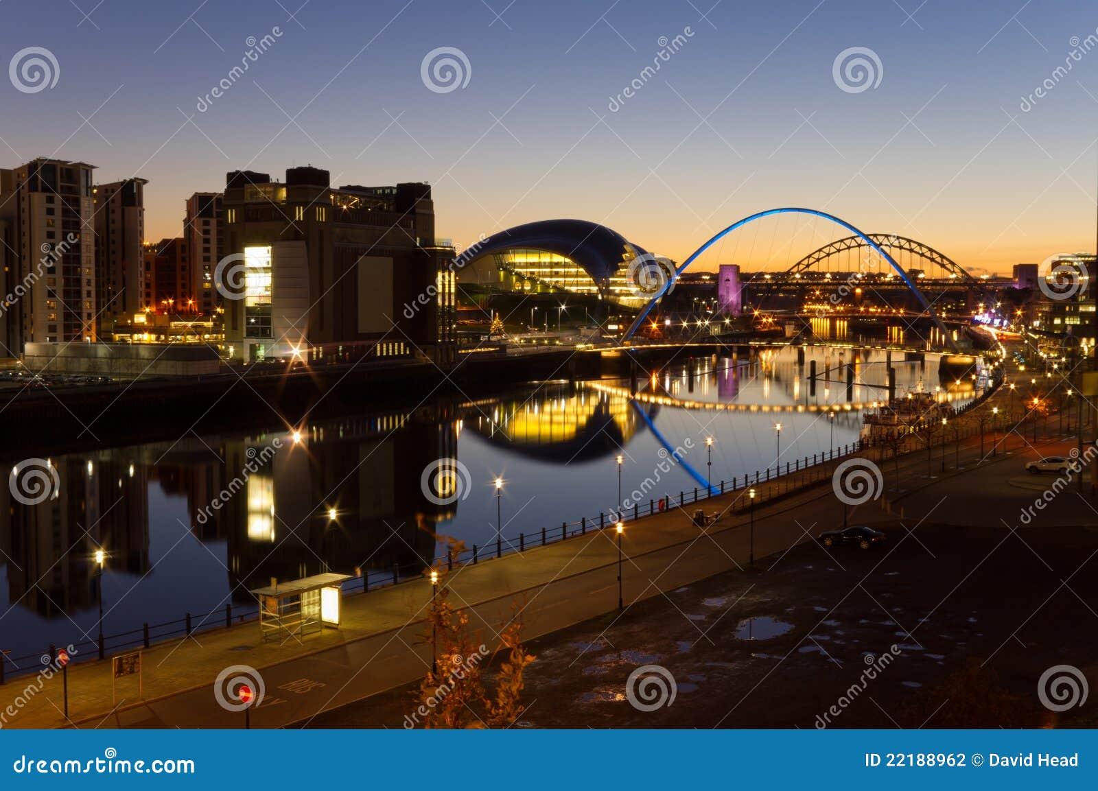 Ποταμός Τάιν τη νύχτα