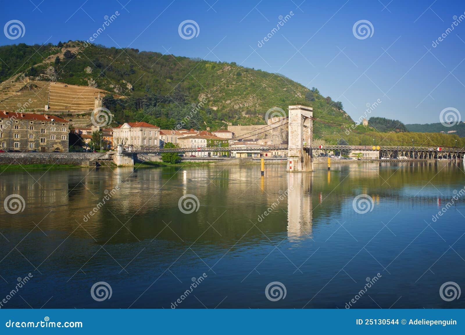 ποταμός της Γαλλίας Ροδανός tournon