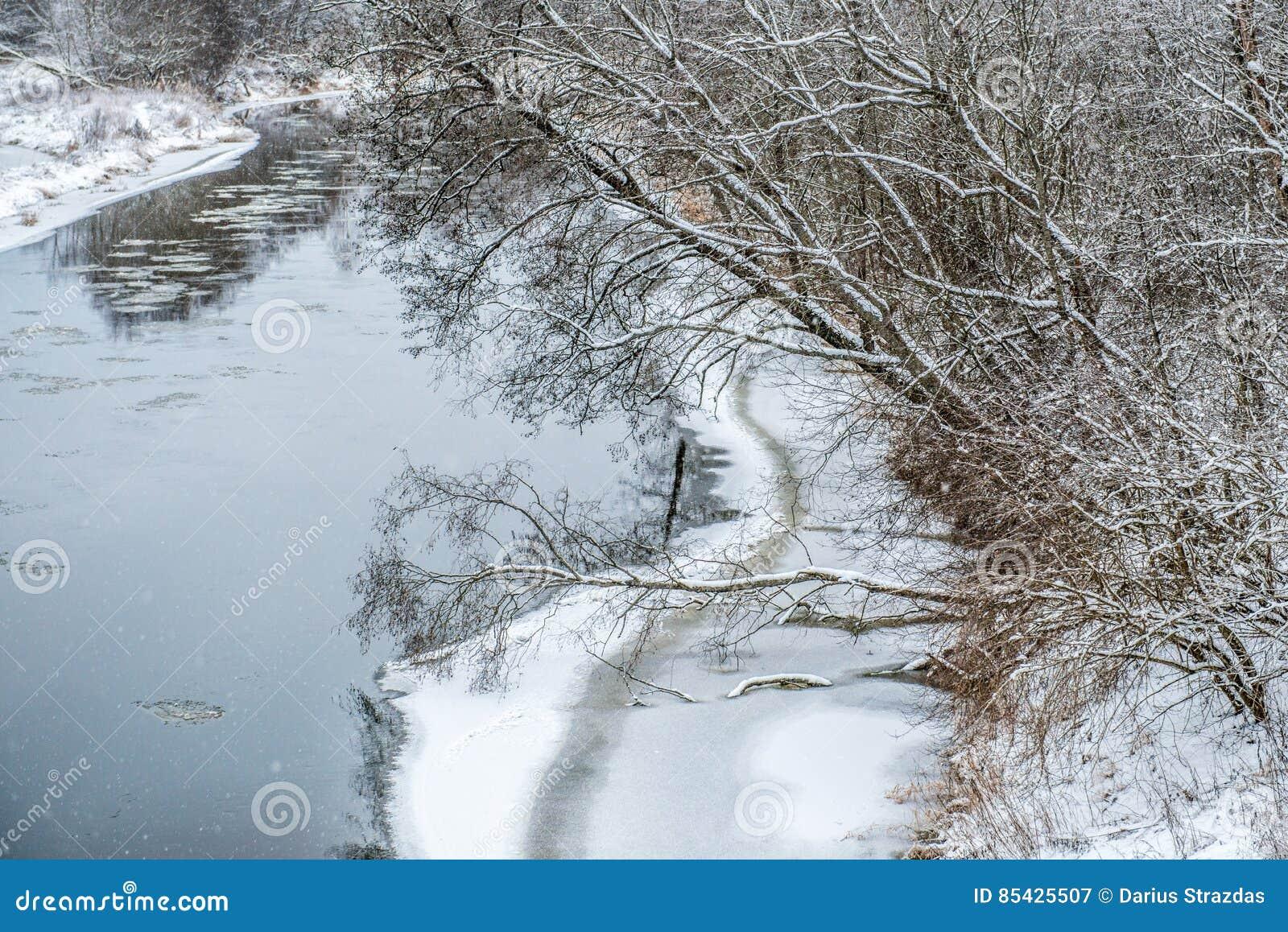 Ποταμός το χειμώνα