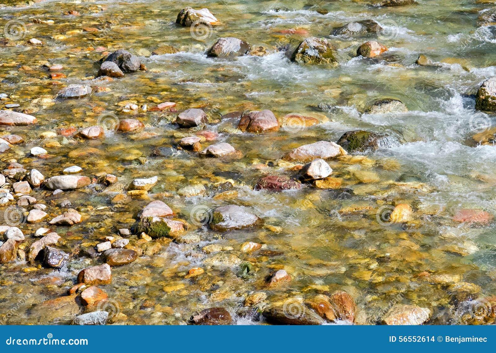 Download Ποταμός στοκ εικόνες. εικόνα από δονούμενος, closeup - 56552614