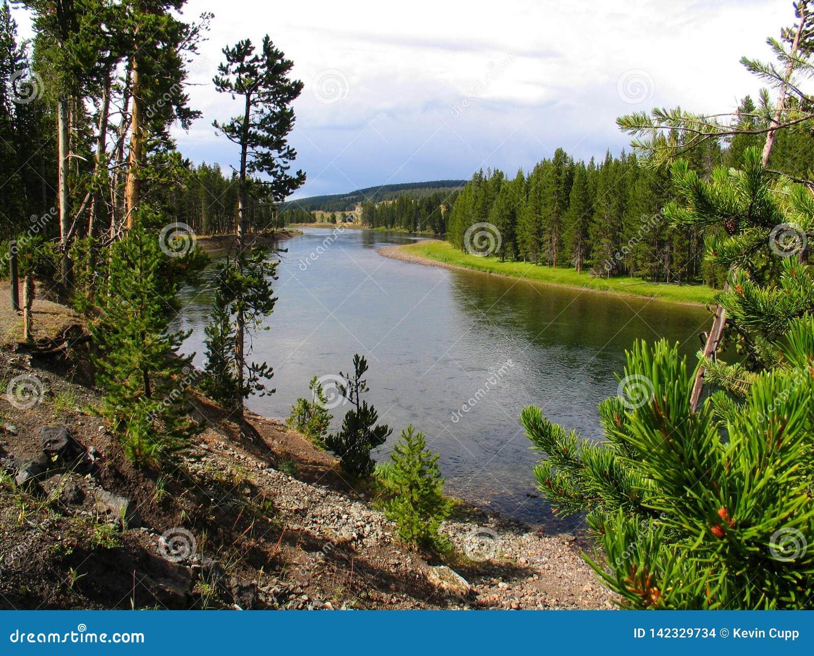Ποταμός Yellowstone στα τέλη του καλοκαιριού