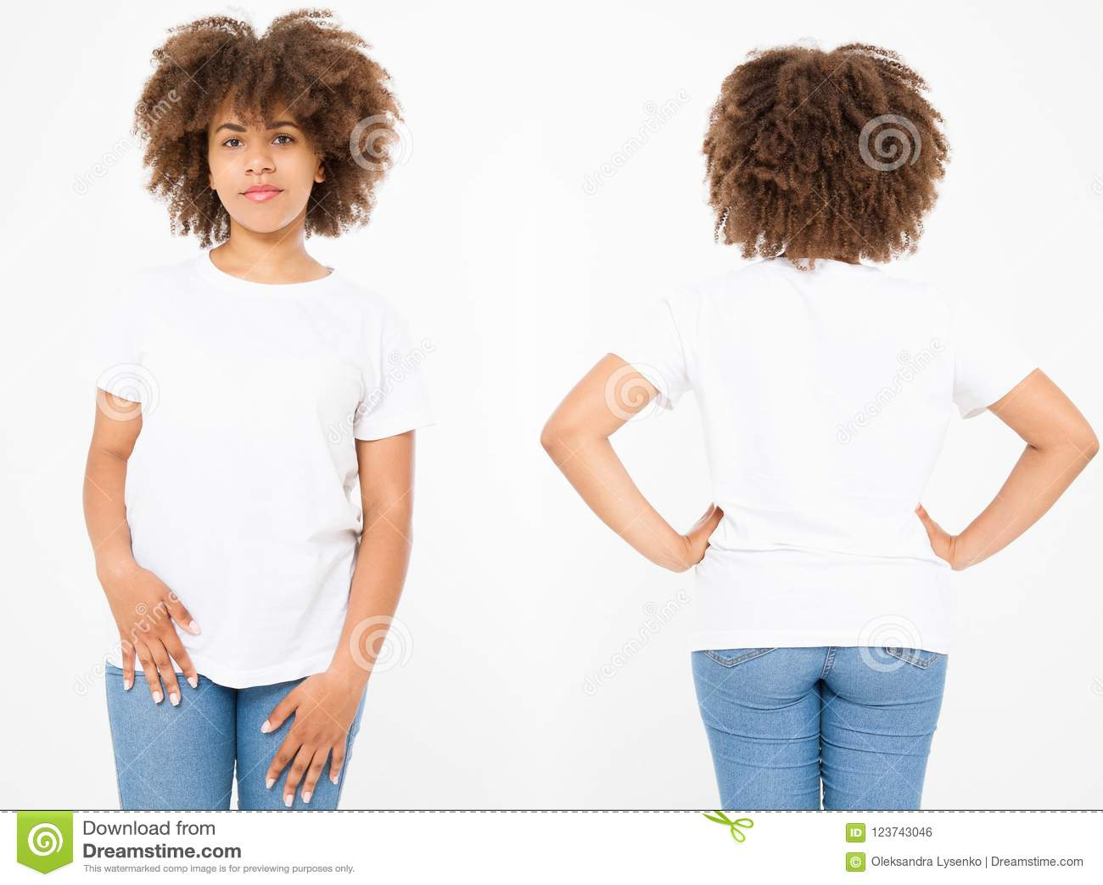 Πουκάμισα καθορισμένα Το σχέδιο θερινών μπλουζών και κλείνει επάνω της νέας αμερικανικής γυναίκας afro στην κενή άσπρη μπλούζα πρ
