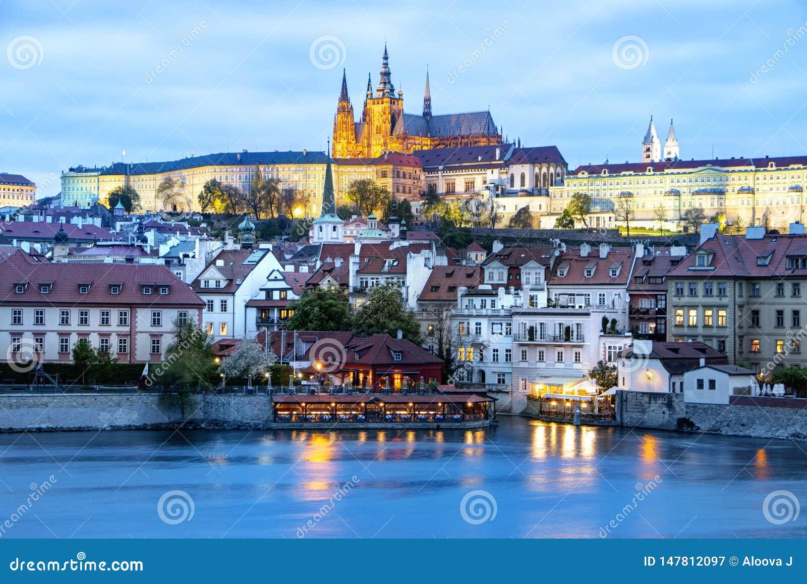 Πράγα, Δημοκρατία της Τσεχίας, στις 22 Απριλίου 2019 - άποψη του βραδιού Πράγα Λυκόφως στην Πράγα