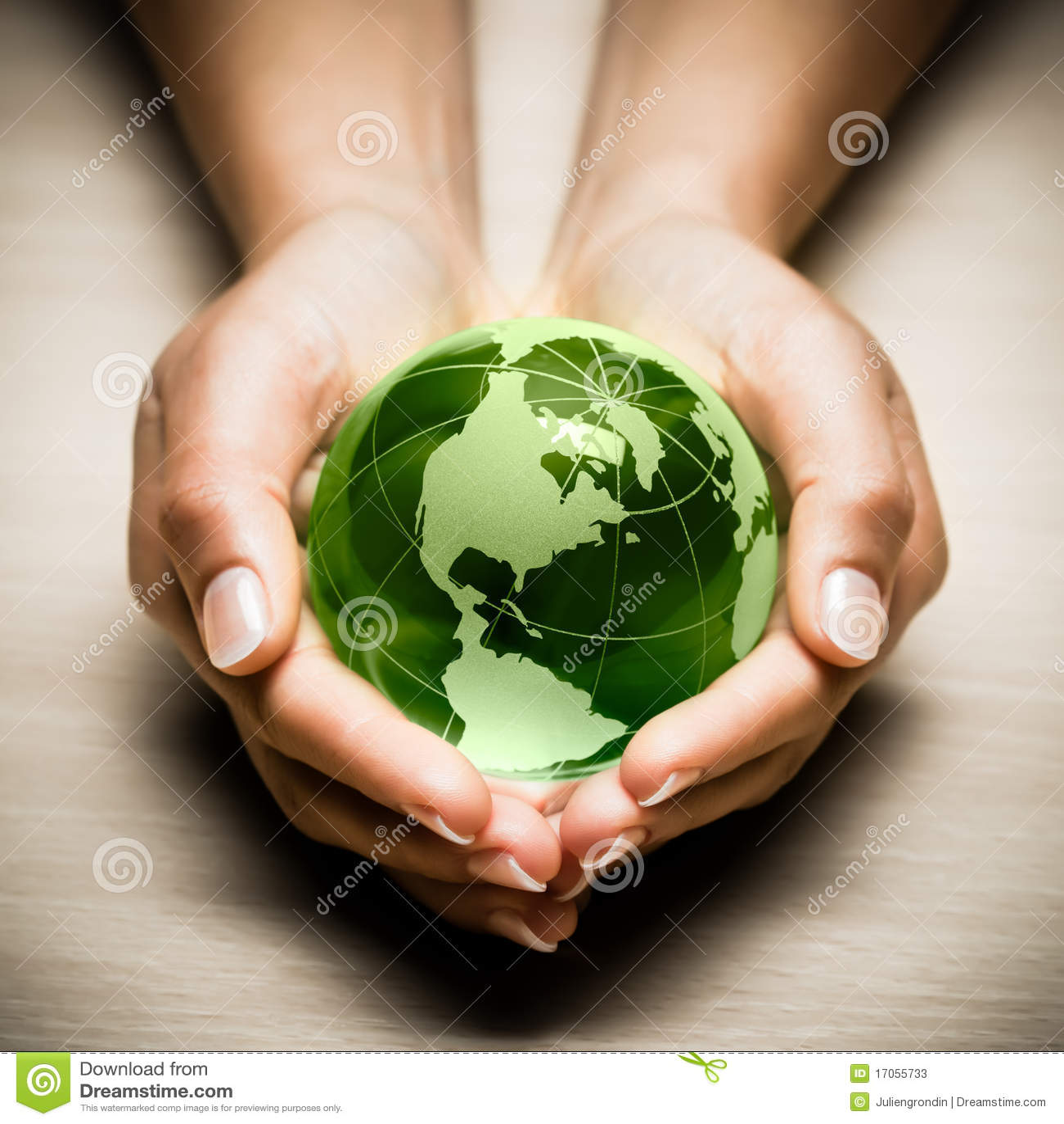 πράσινα χέρια γήινων σφαιρών