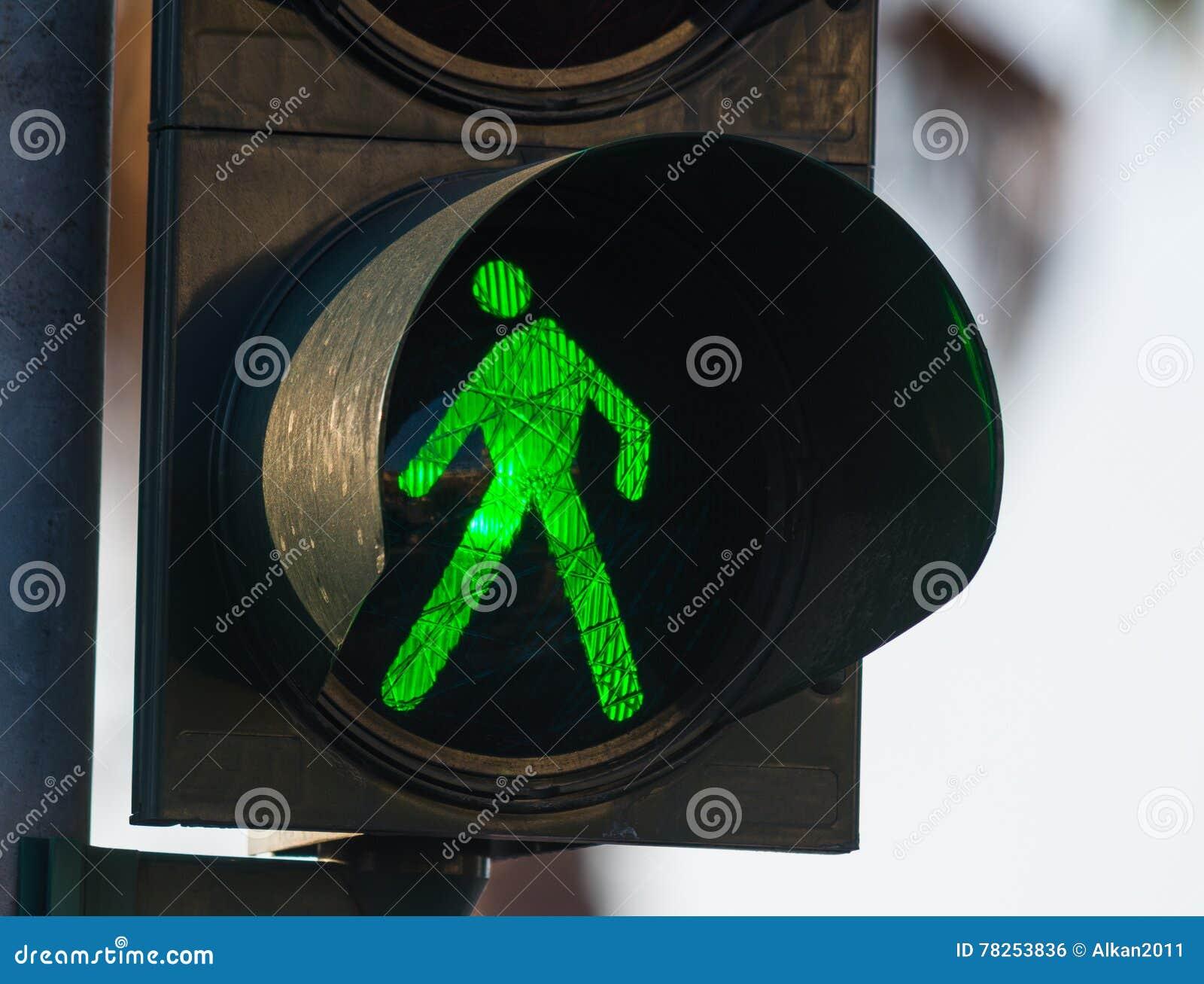 Πράσινος για τους πεζούς φωτεινός σηματοδότης