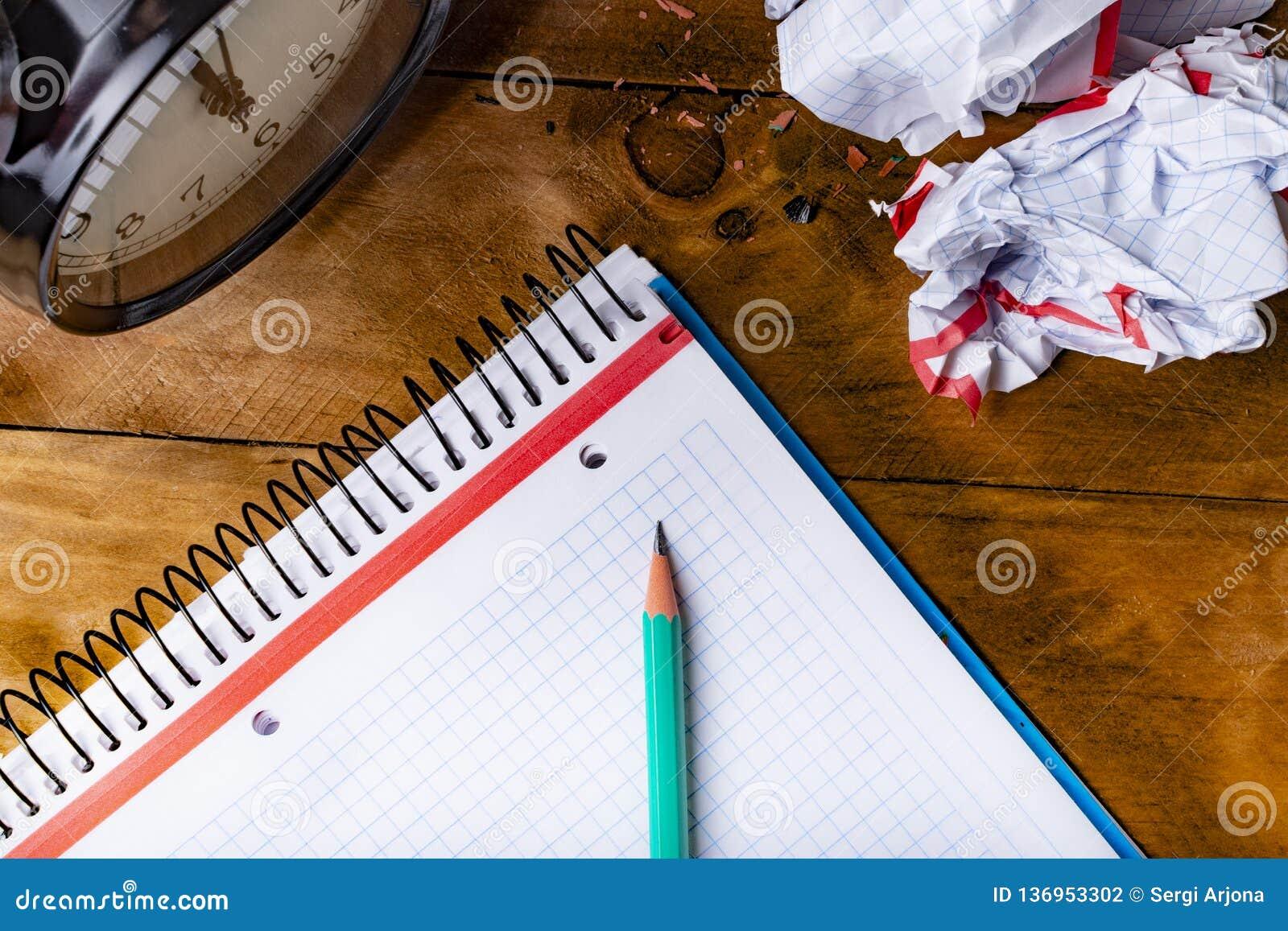 Πράσινο μολύβι, χρόνος έννοιας να είναι δημιουργικός