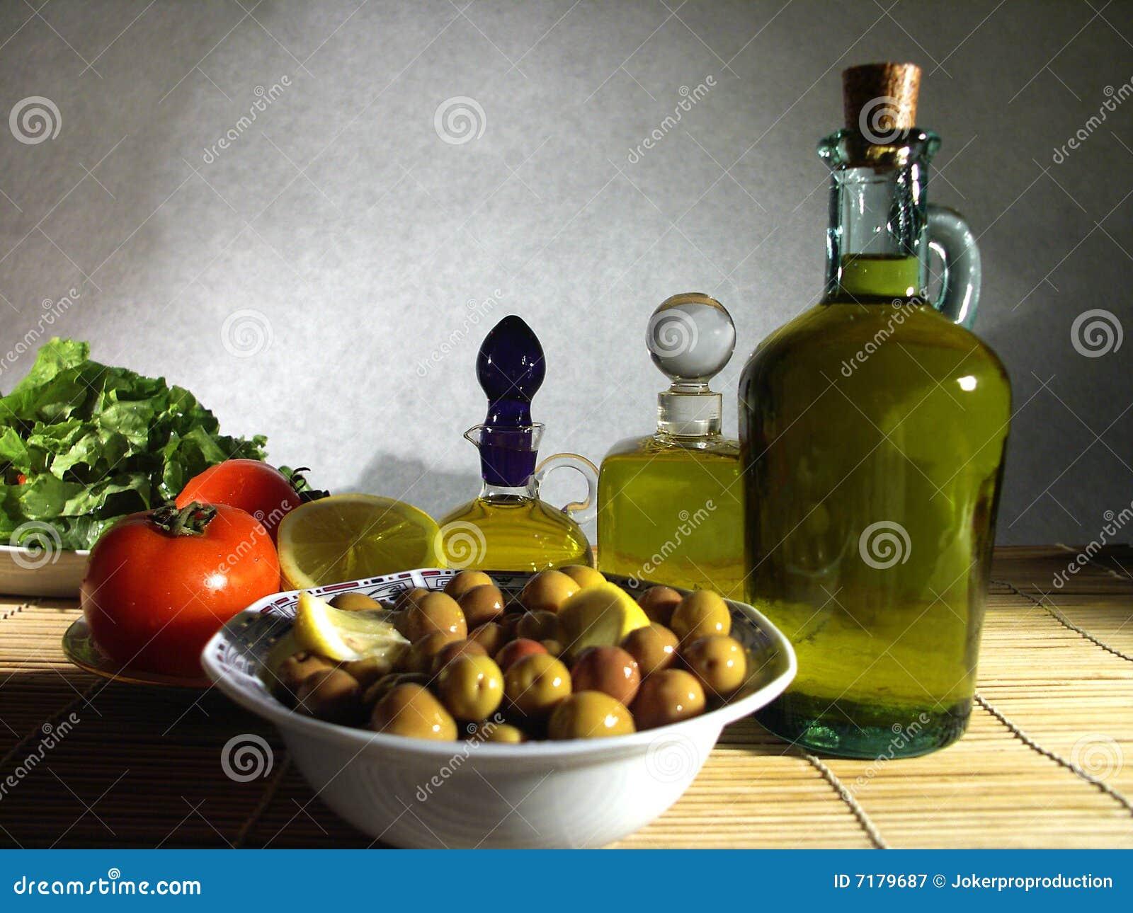πράσινο πιάτο ελιών