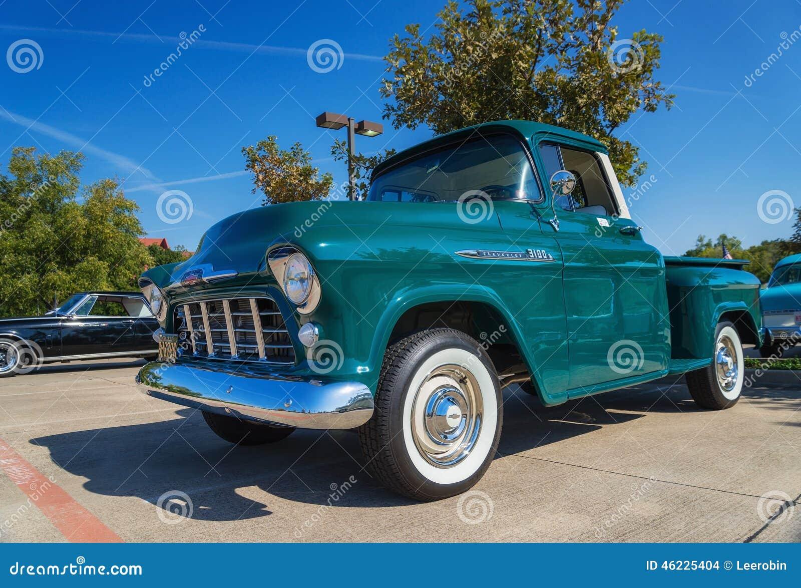 Πράσινο το 1956 Chevrolet 3100 ανοιχτό φορτηγό