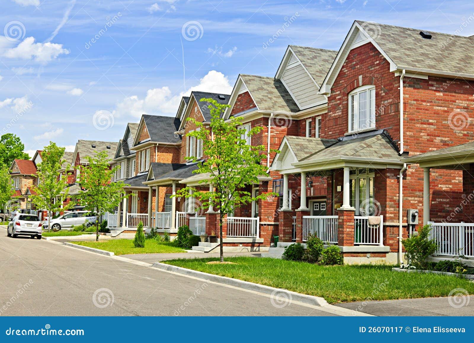 Προαστιακά σπίτια