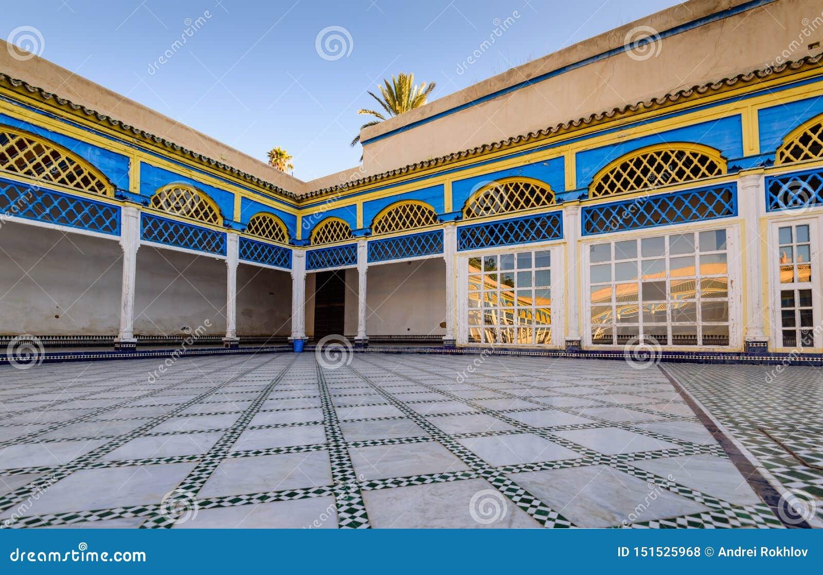 Προαύλιο στο παλάτι EL Bahia στην παλαιά πόλη του Μαρακές