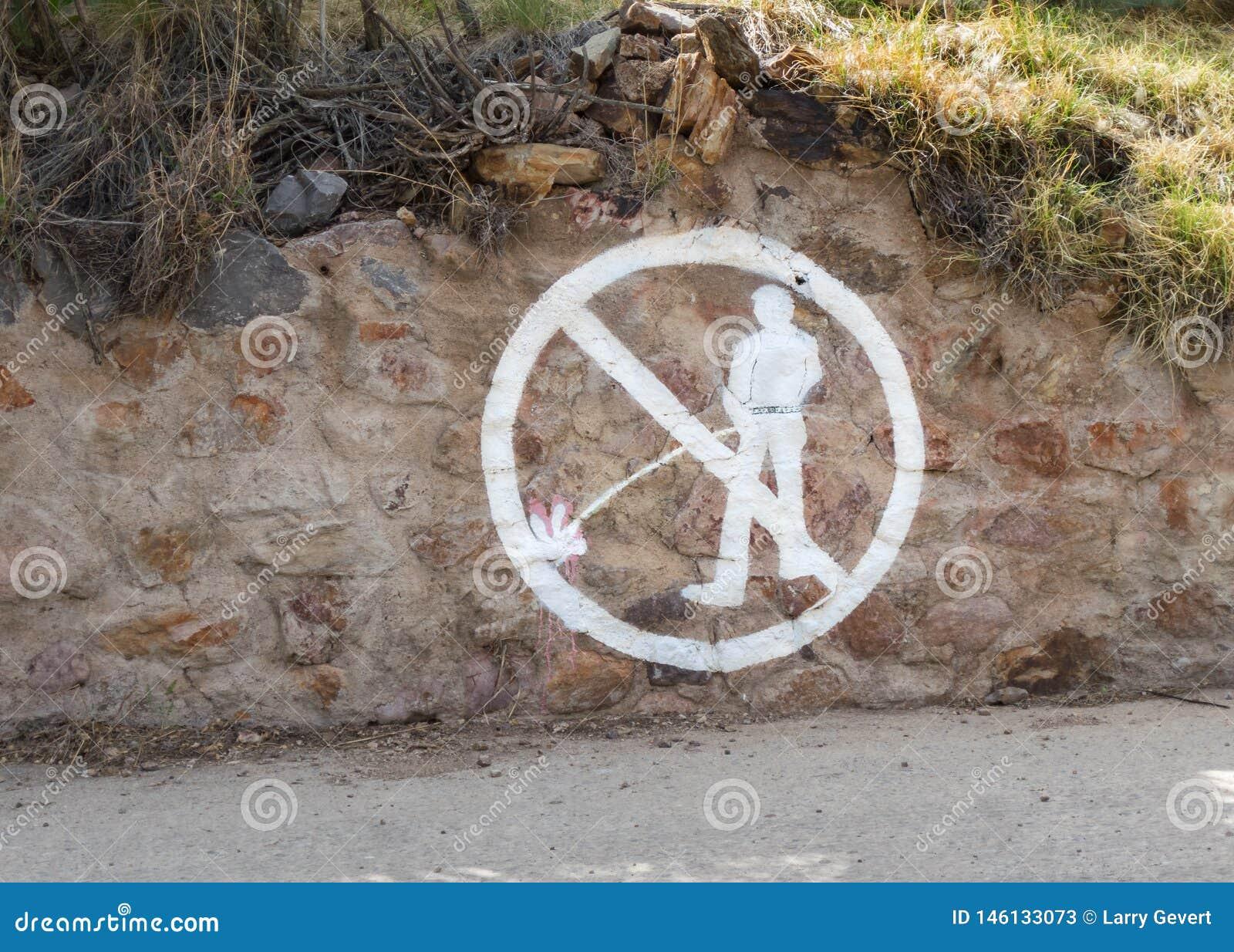 Προειδοποίηση στο βράχο, κανένα κατούρχμα